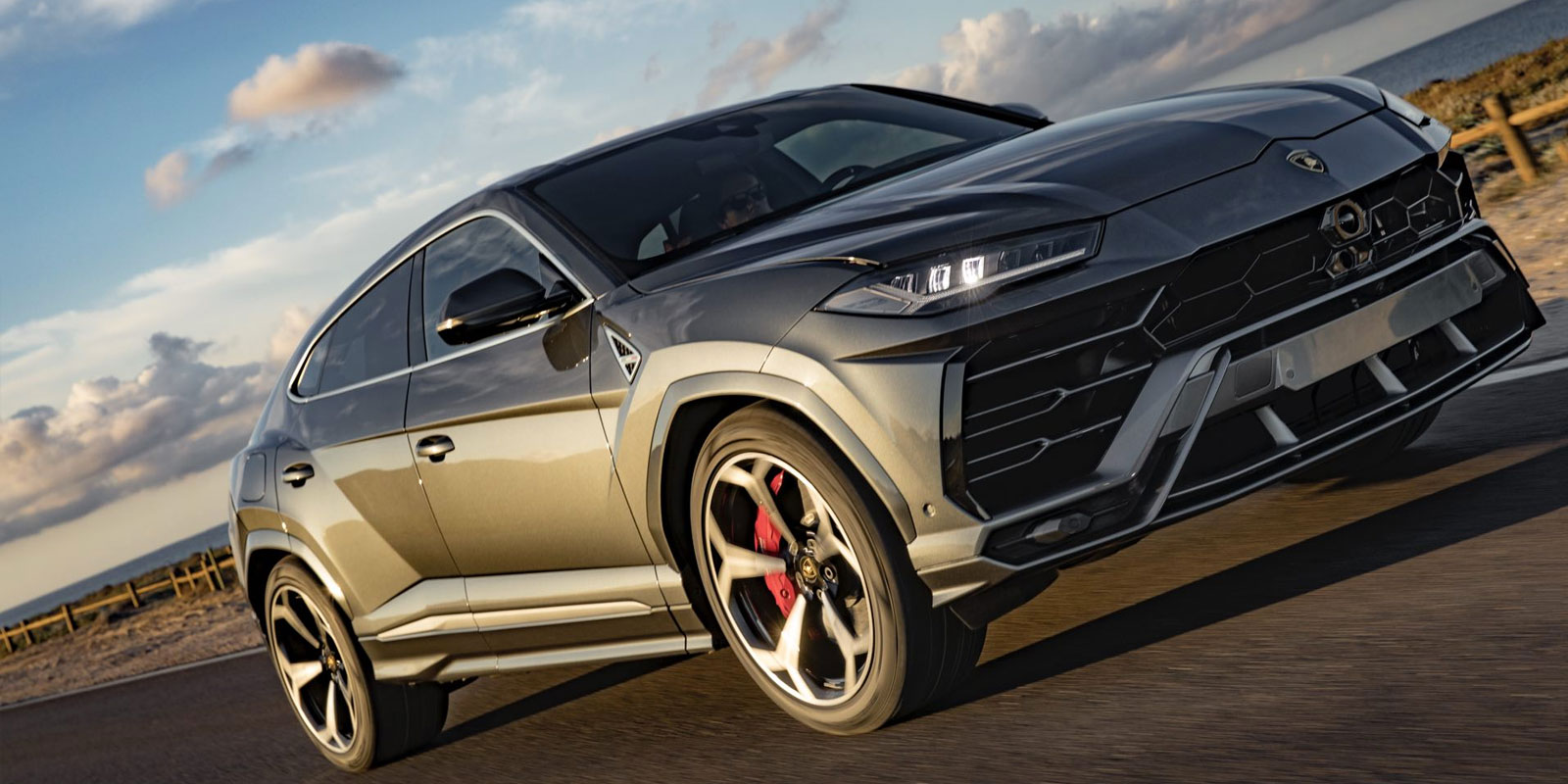 Lamborghini Urus - The World's First Super Sport Utility Vehicle image 11