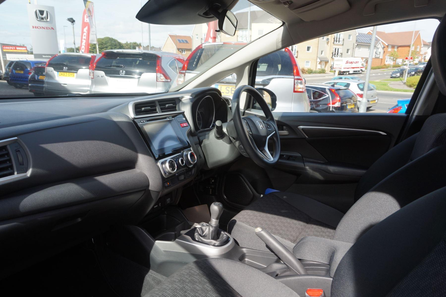 Honda Jazz 1.3 SE 5dr image 8