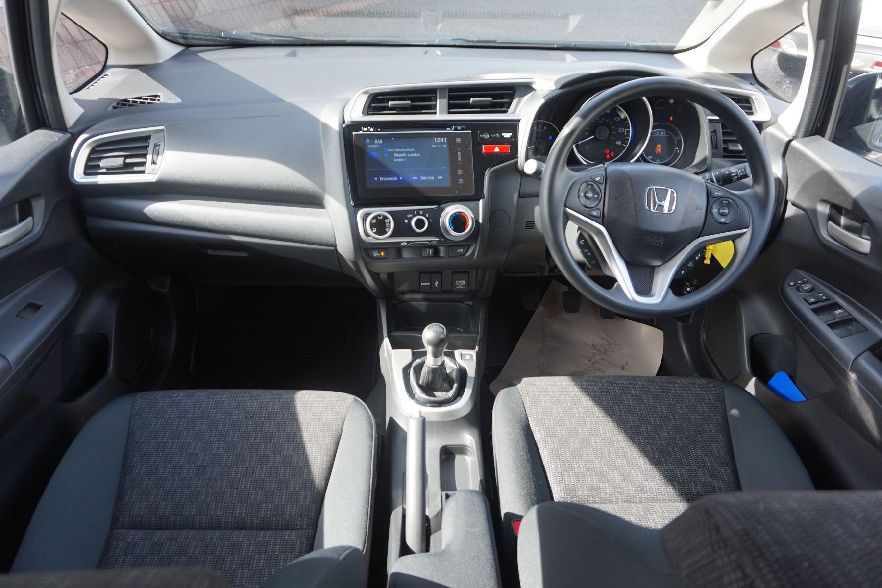 Honda Jazz 1.3 SE 5dr image 21