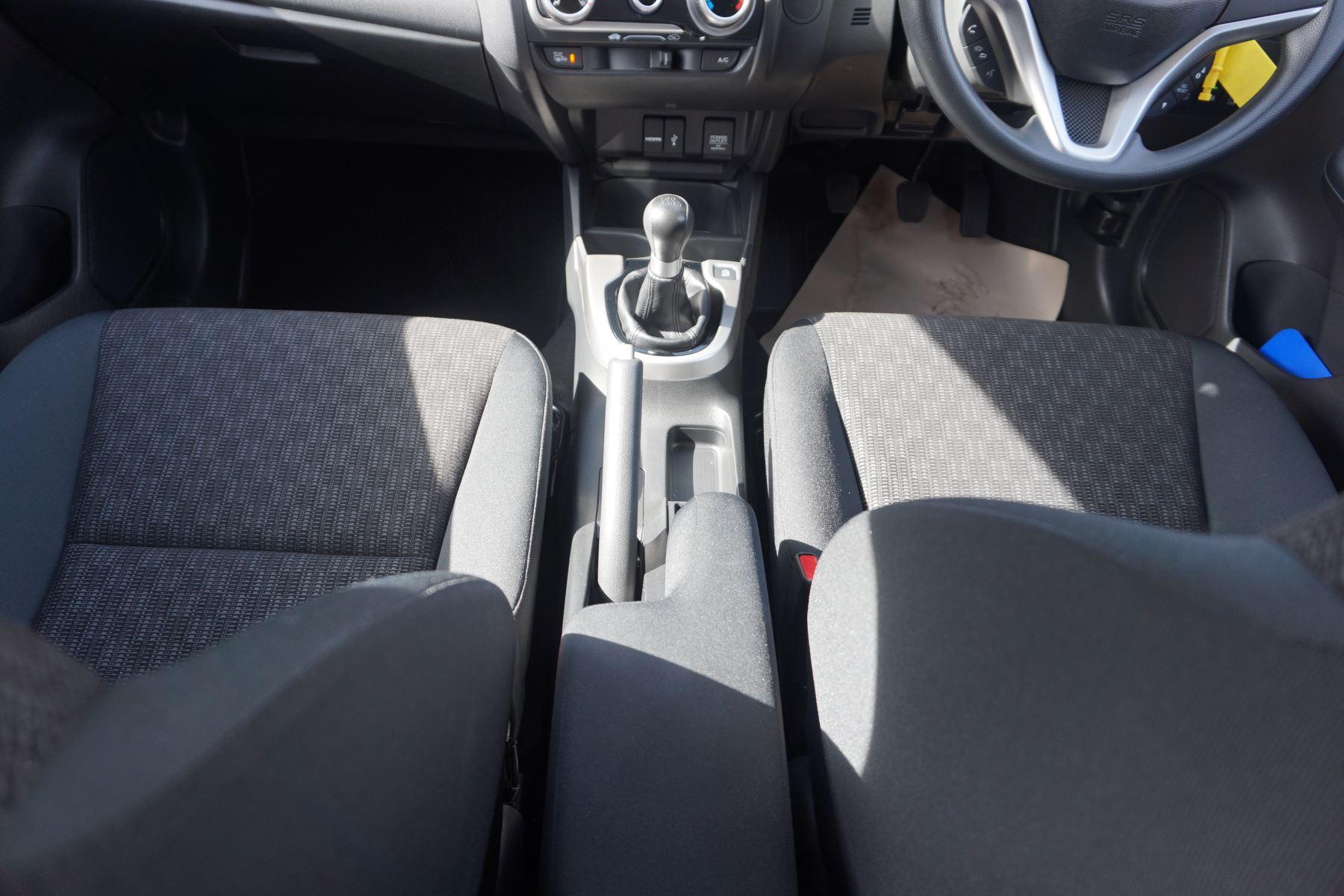 Honda Jazz 1.3 SE 5dr image 14