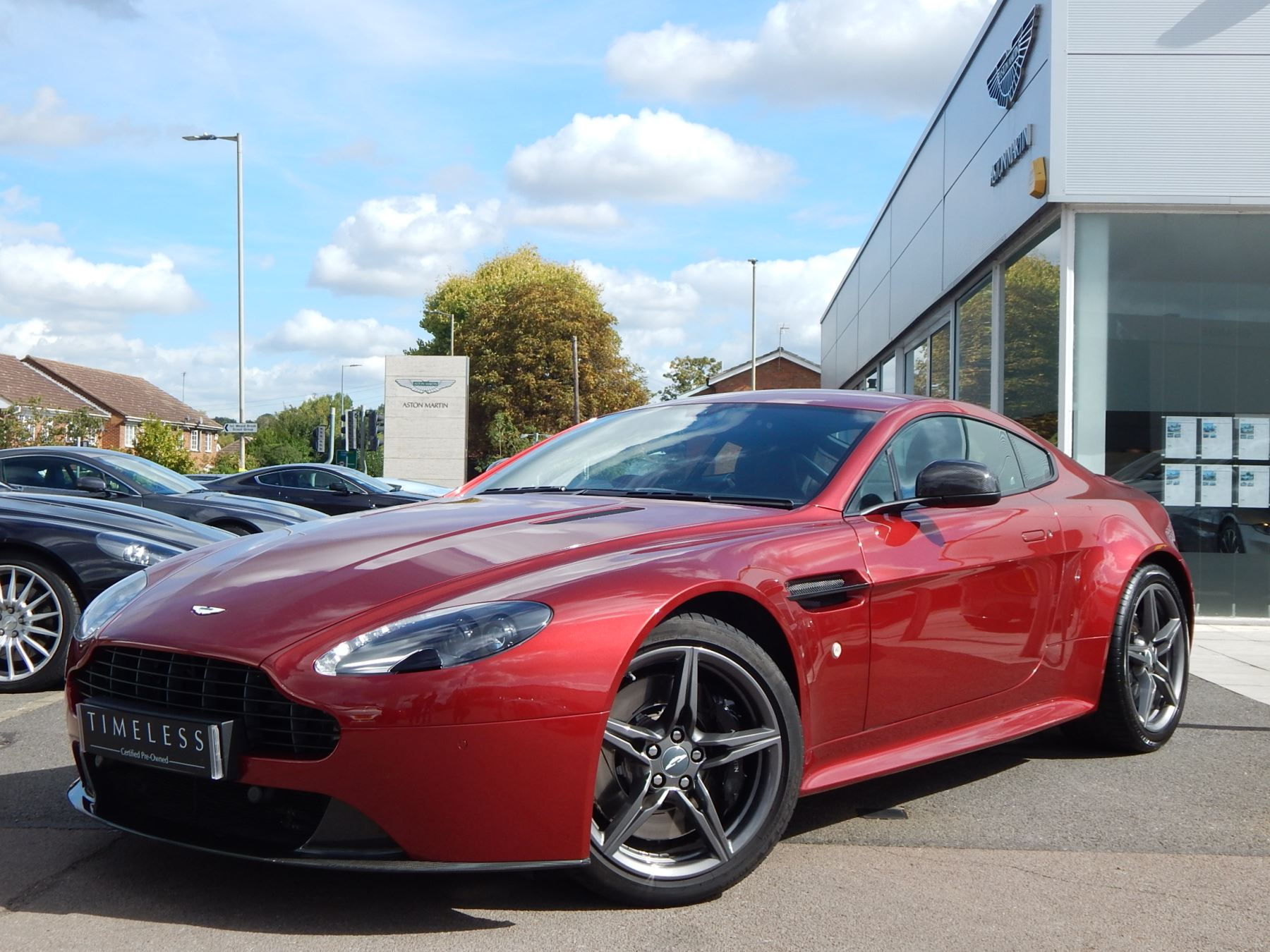 Aston Martin V8 Vantage S Coupe S 2dr Sportshift 4.7 Automatic 3 door Coupe (2017) image