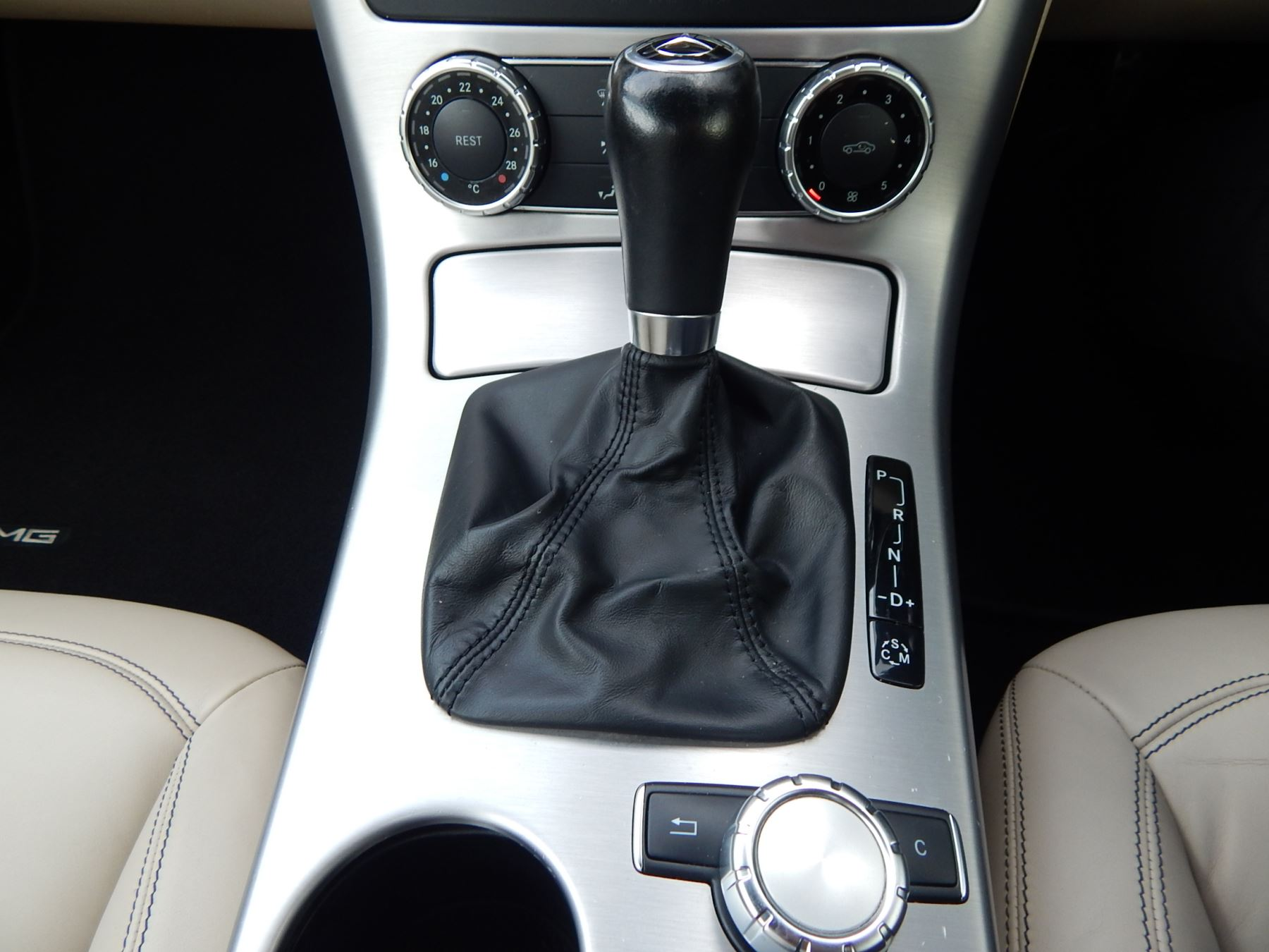 Mercedes Benz Slk 55 2dr Tip Automatic Roadster 2015 At Seat Post Suspension Zoom Ready Size 316 Image 14