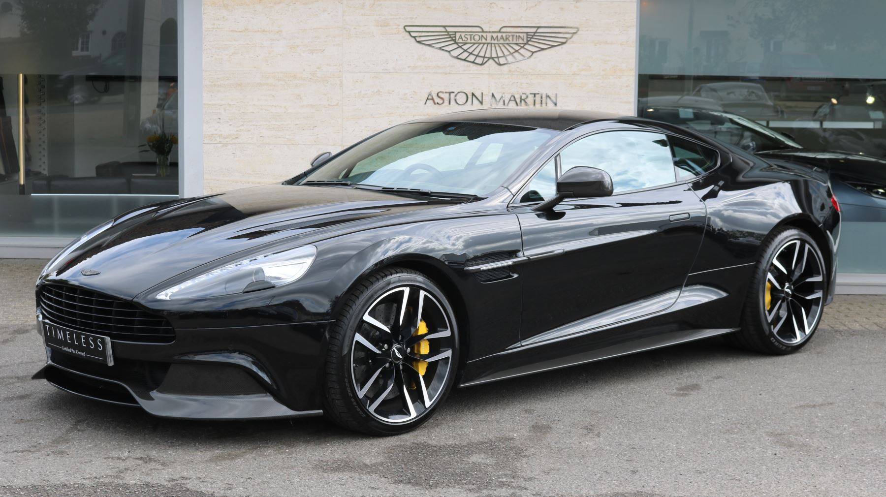 Aston Martin V Vanquish Coupe Automatic Door At Aston - Aston martin v12 vanquish