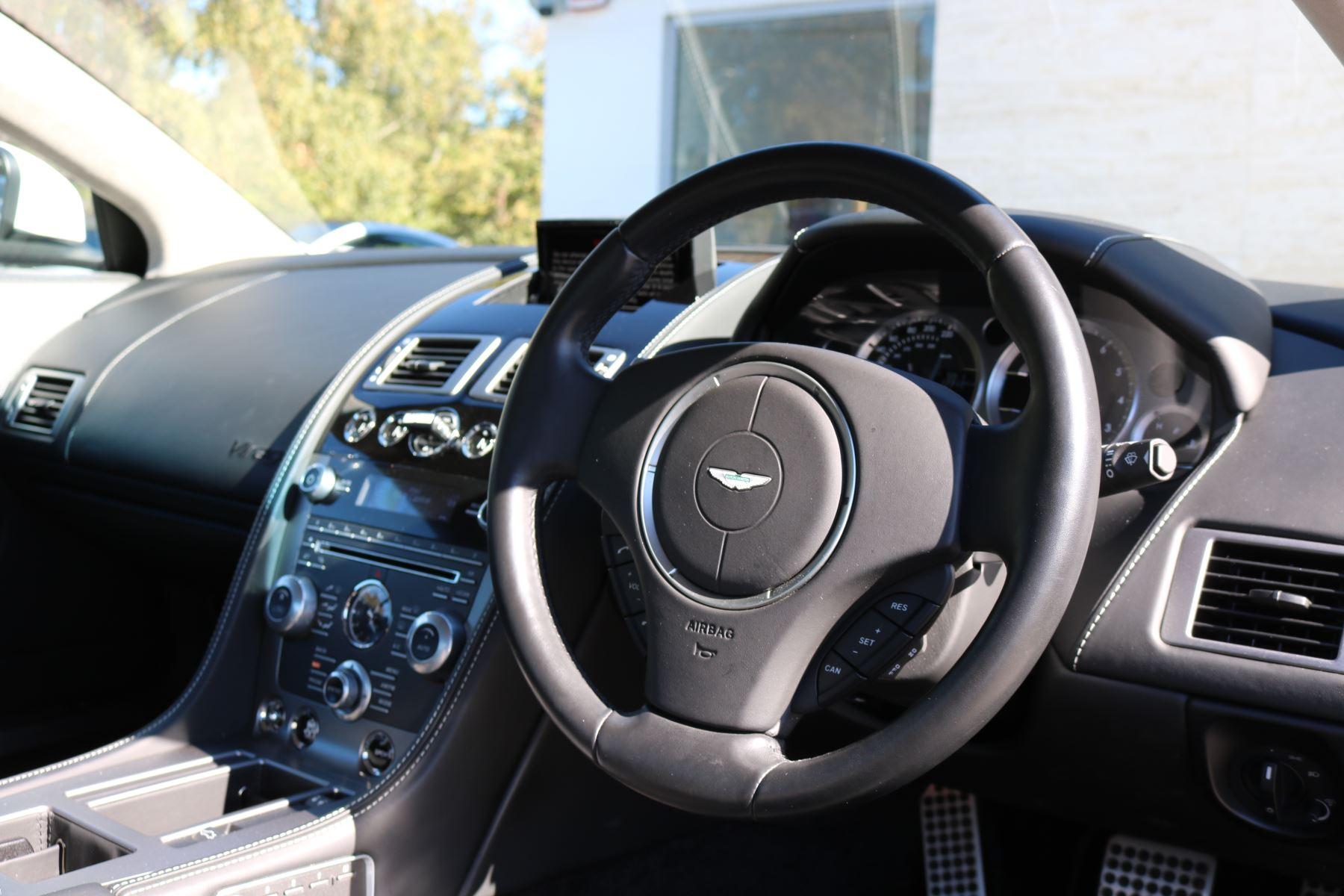 Aston Martin DB9 V12 2dr Touchtronic image 17