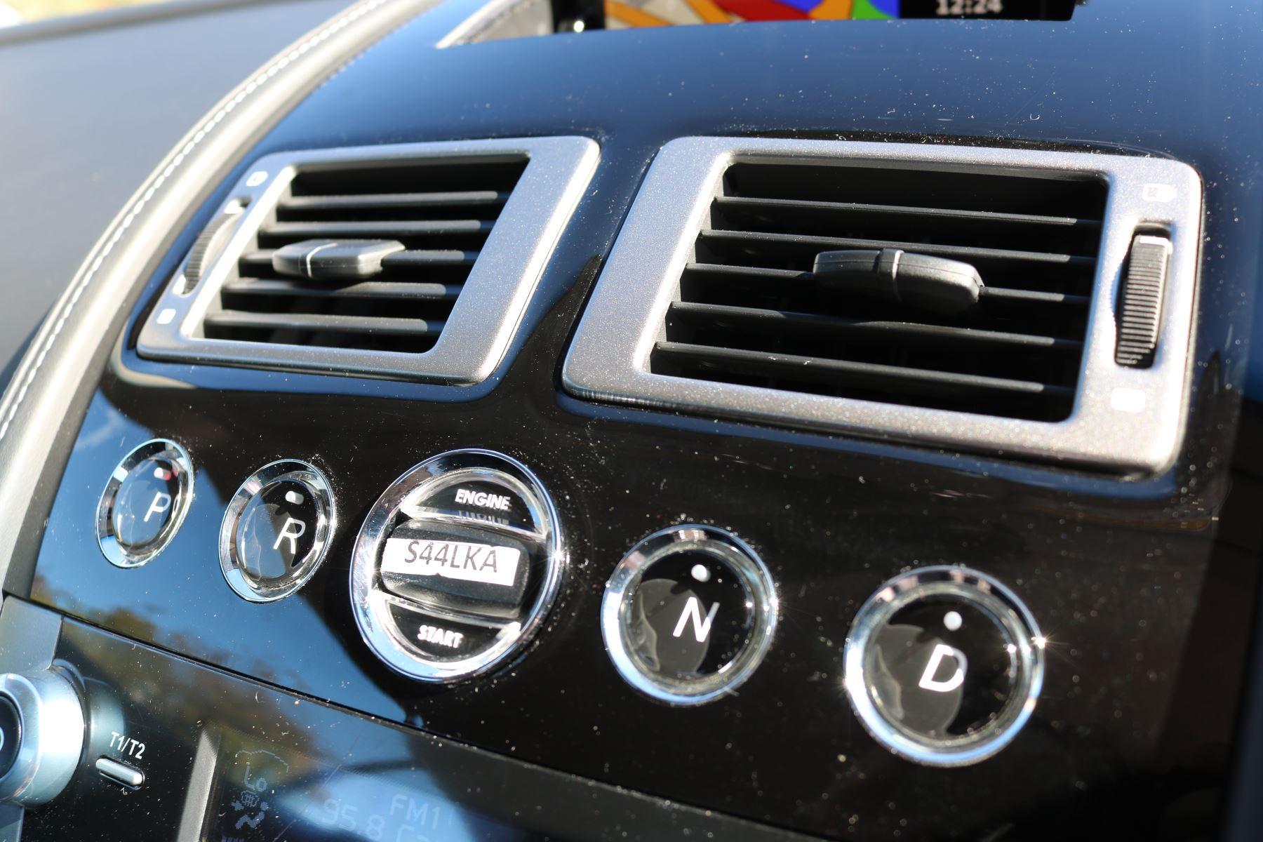 Aston Martin DB9 V12 2dr Touchtronic image 19
