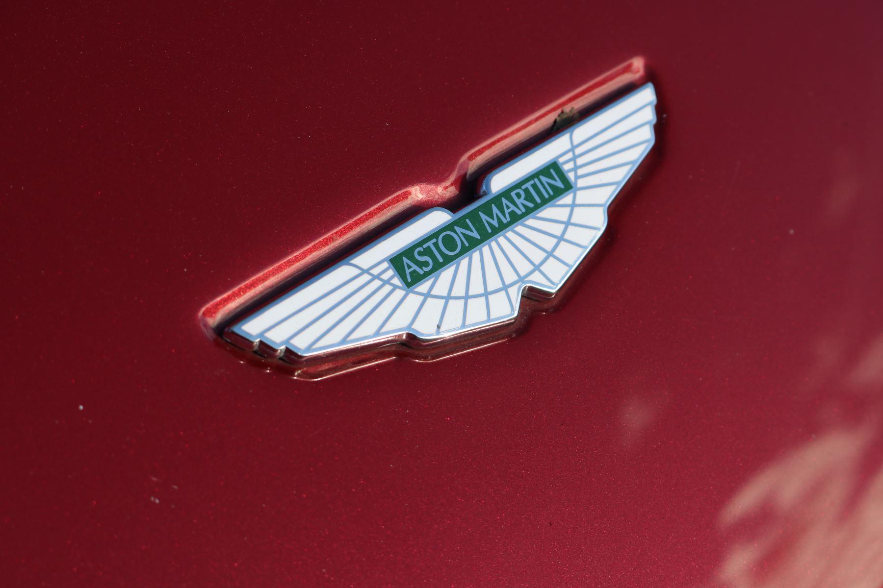 Aston Martin V8 Vantage Roadster 2dr [420] image 23