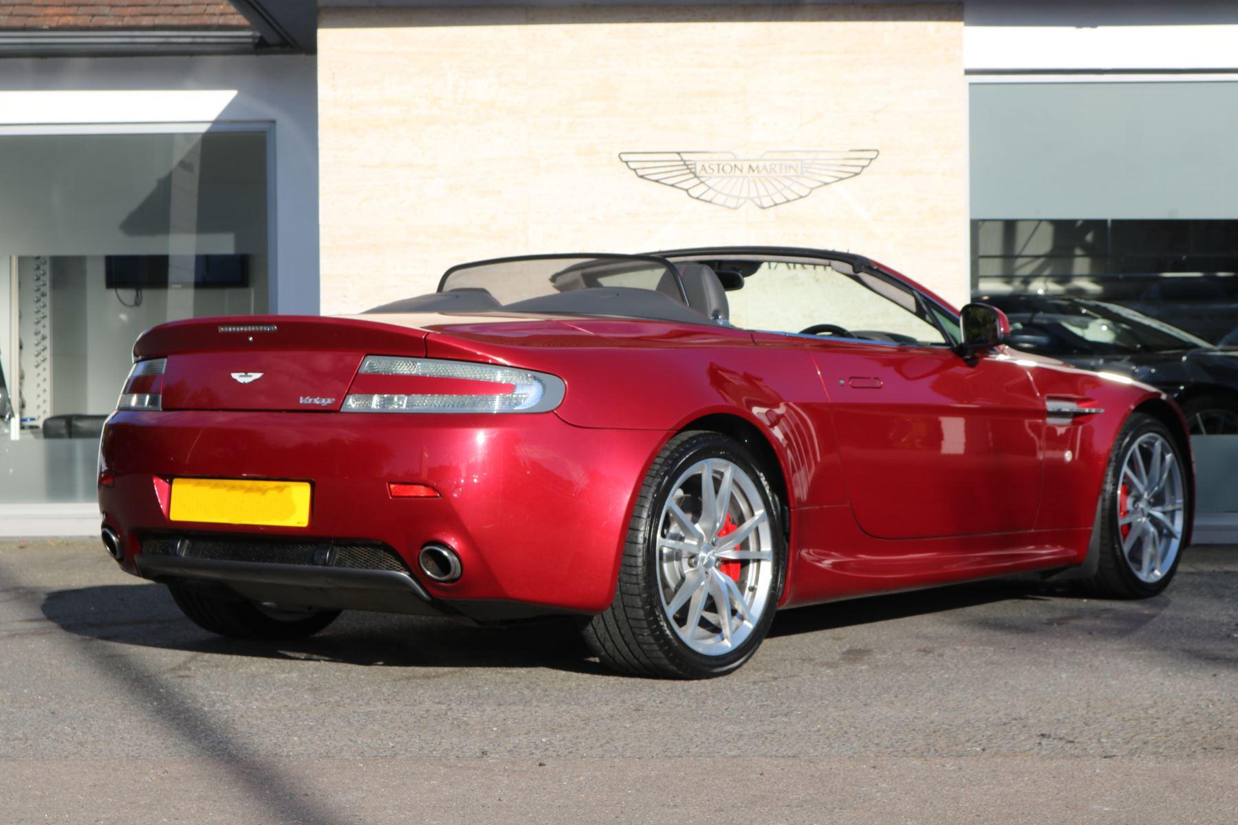 Aston Martin V8 Vantage Roadster 2dr [420] image 5
