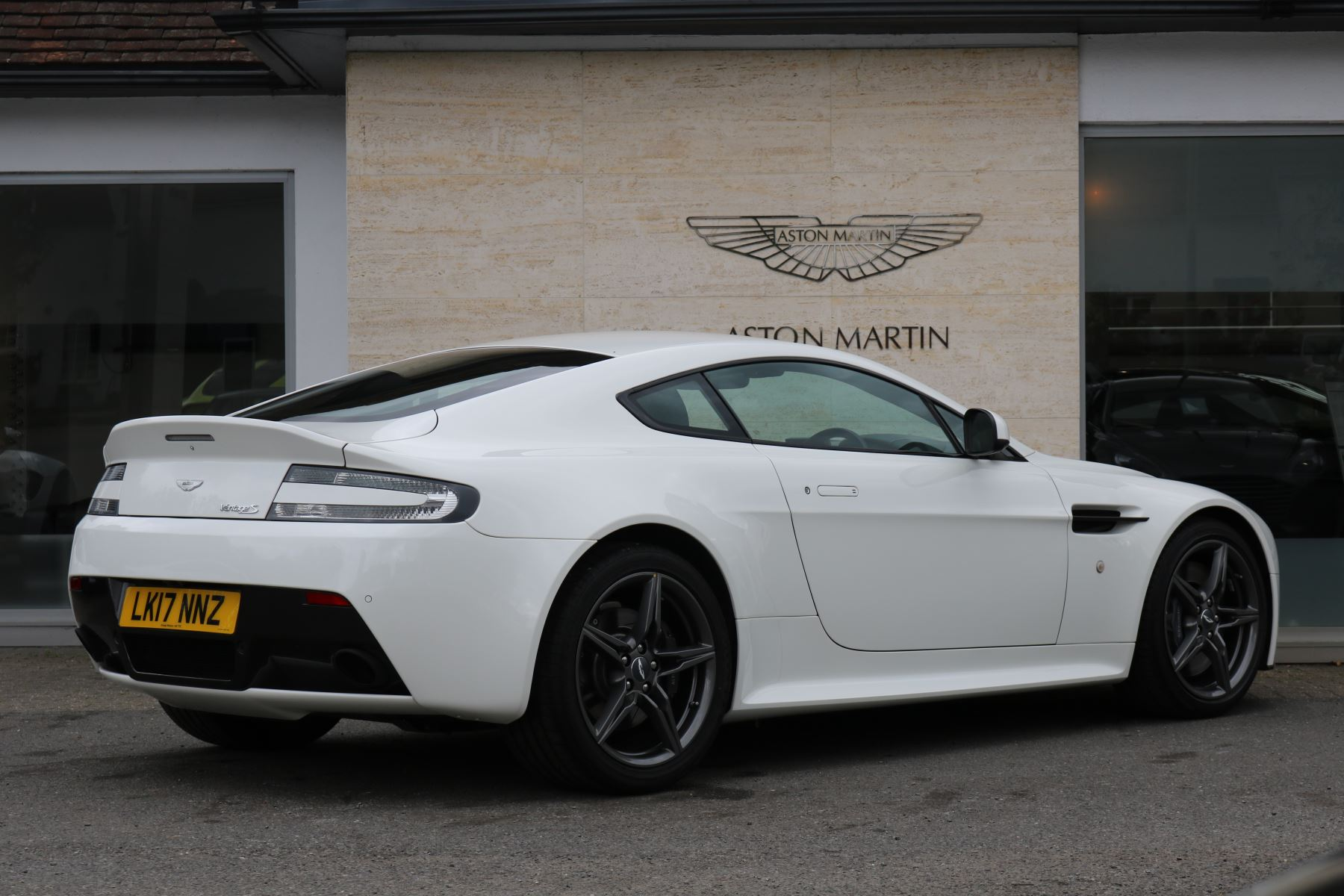 Aston Martin V Vantage S Coupe S Dr Door Coupe At - Aston martin v8 vantage s