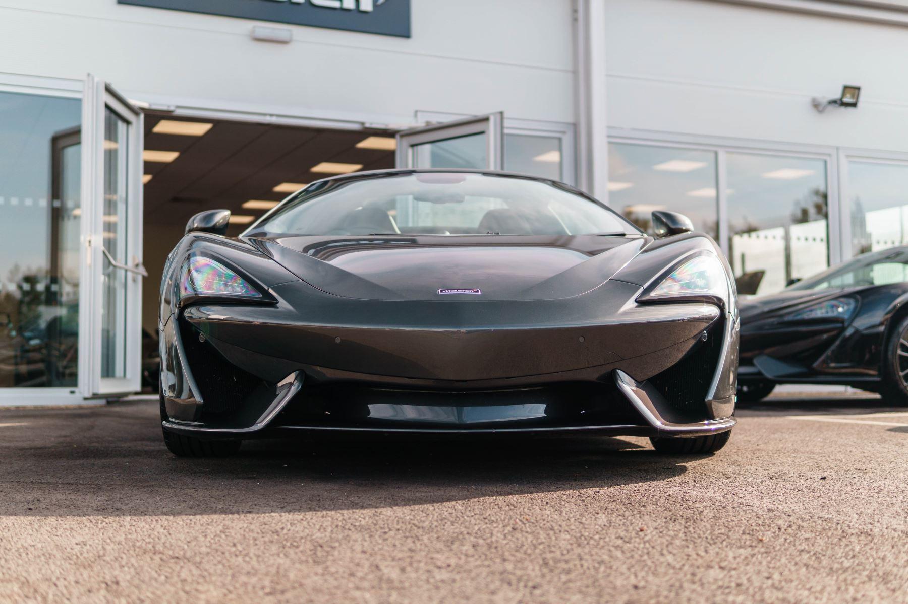 McLaren 570S Spider V8 2dr SSG image 8