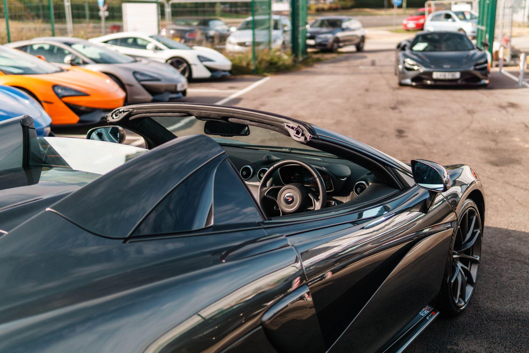 McLaren 570S Spider V8 2dr SSG image 11