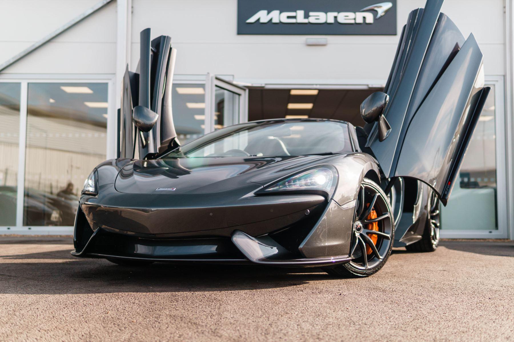 McLaren 570S Spider V8 2dr SSG image 2