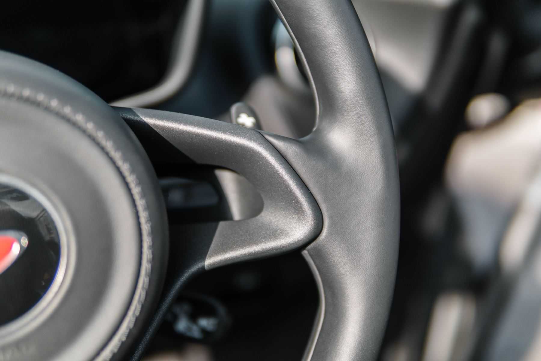 McLaren 570S Spider V8 2dr SSG image 25