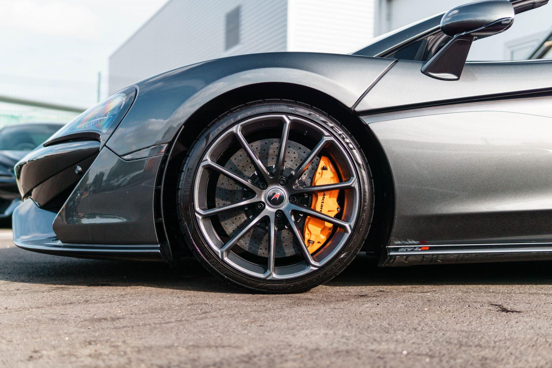 McLaren 570S Spider V8 2dr SSG image 33