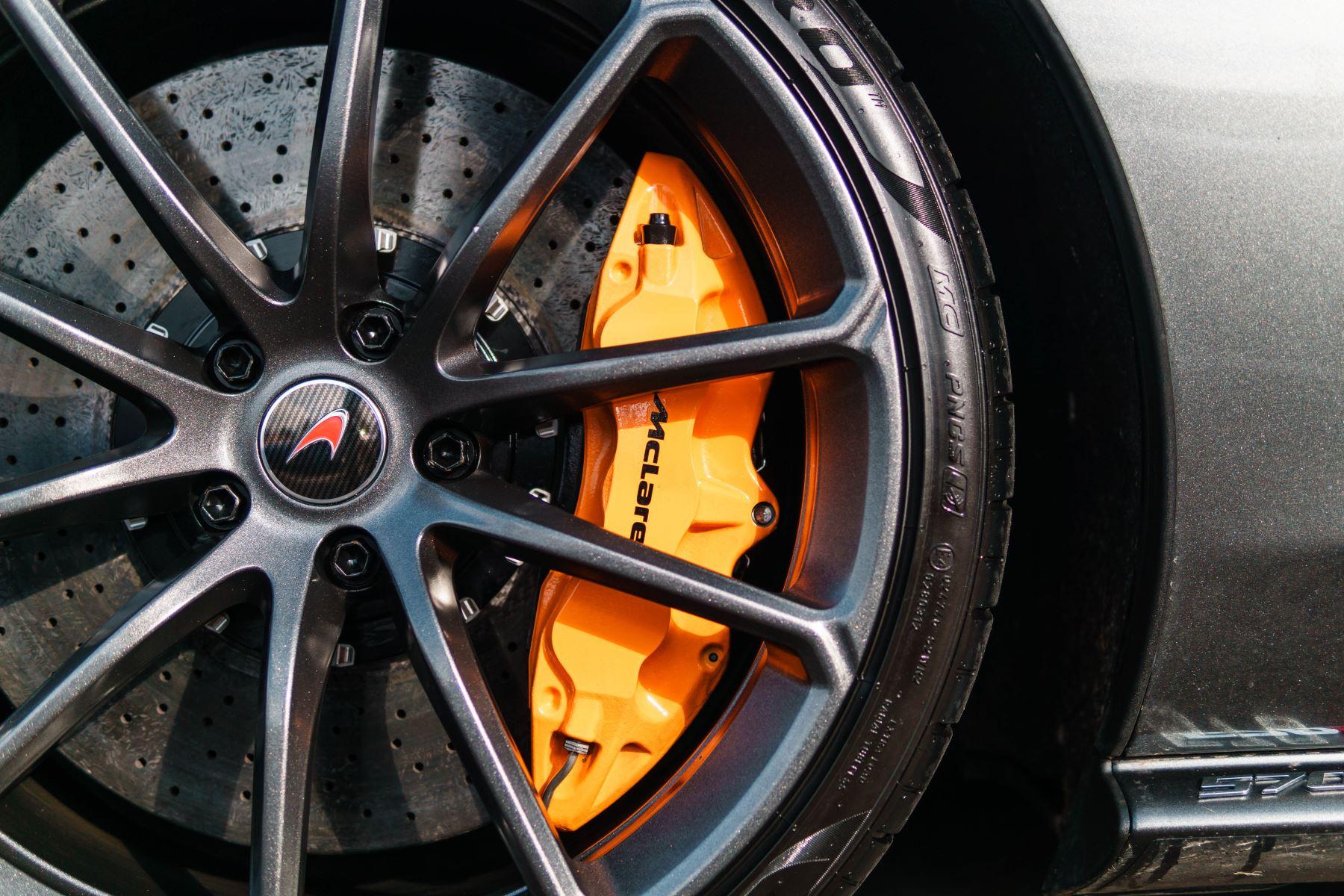 McLaren 570S Spider V8 2dr SSG image 34