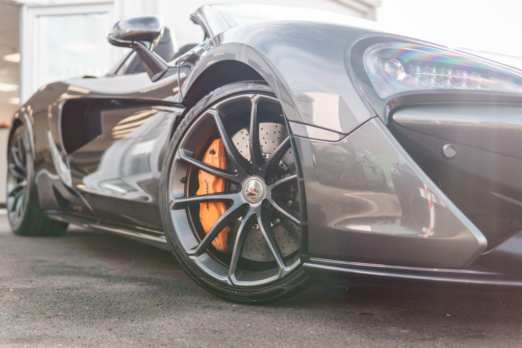 McLaren 570S Spider V8 2dr SSG image 45