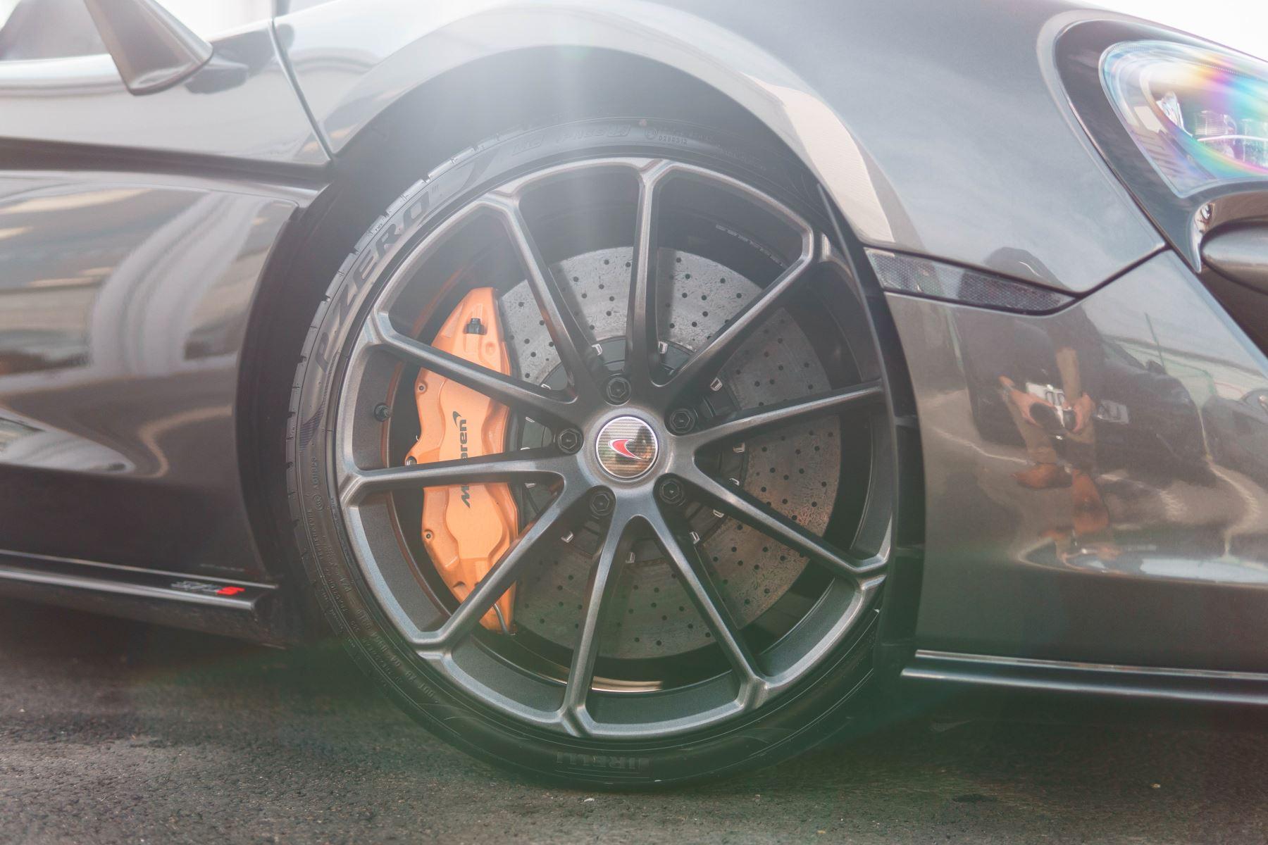 McLaren 570S Spider V8 2dr SSG image 46
