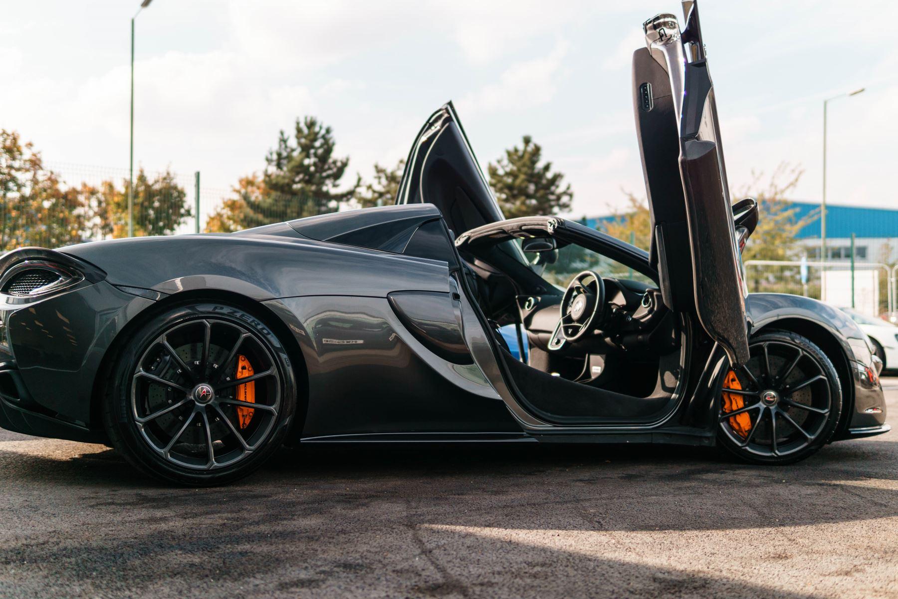 McLaren 570S Spider V8 2dr SSG image 57