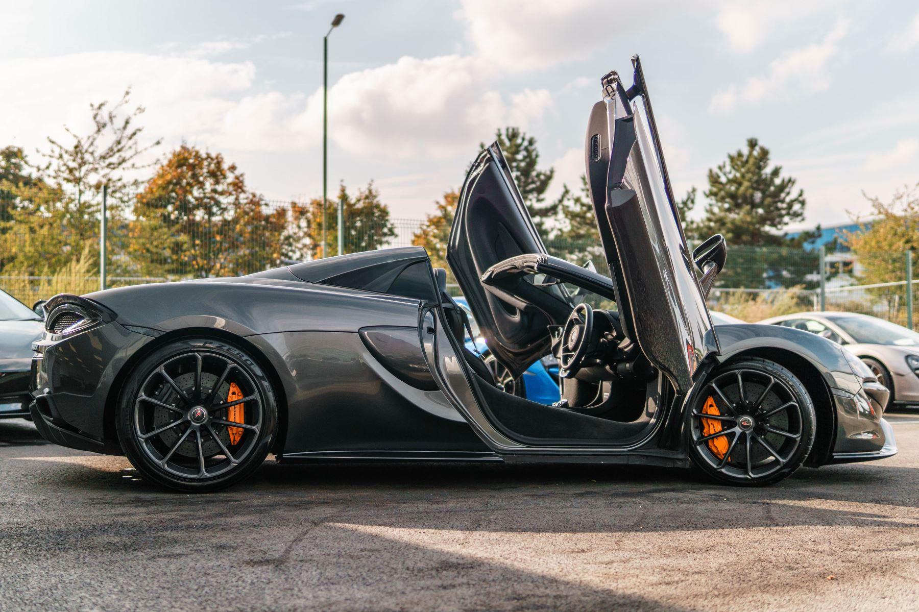 McLaren 570S Spider V8 2dr SSG image 58
