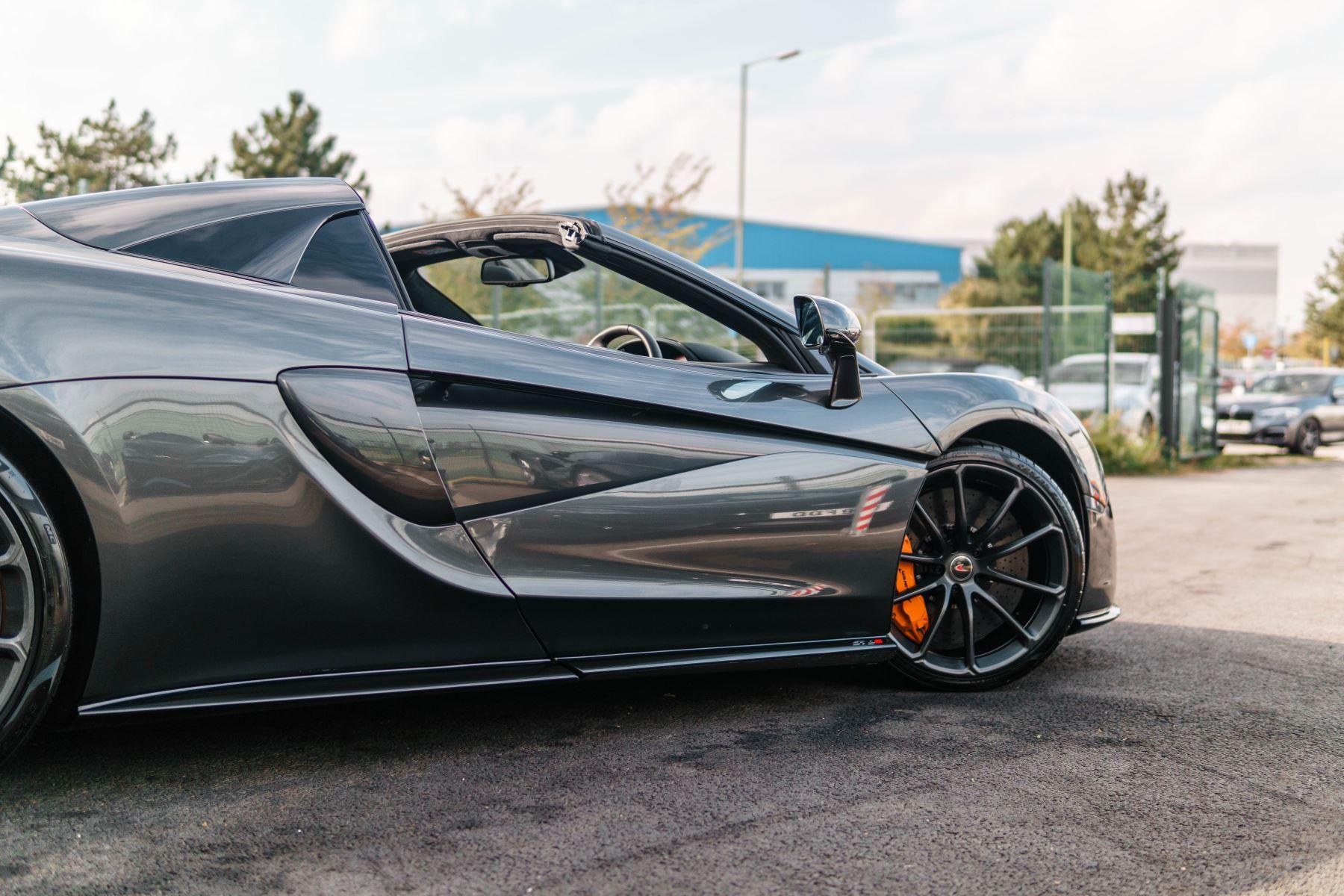 McLaren 570S Spider V8 2dr SSG image 61