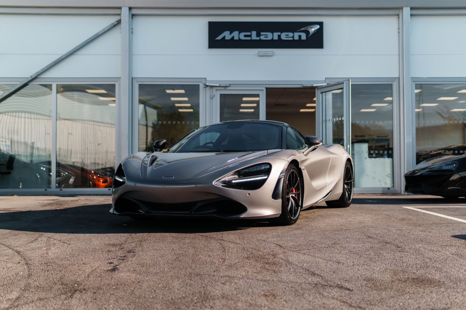 McLaren 720S V8 Performance SSG 4.0 Automatic 2 door Coupe (17MY) image