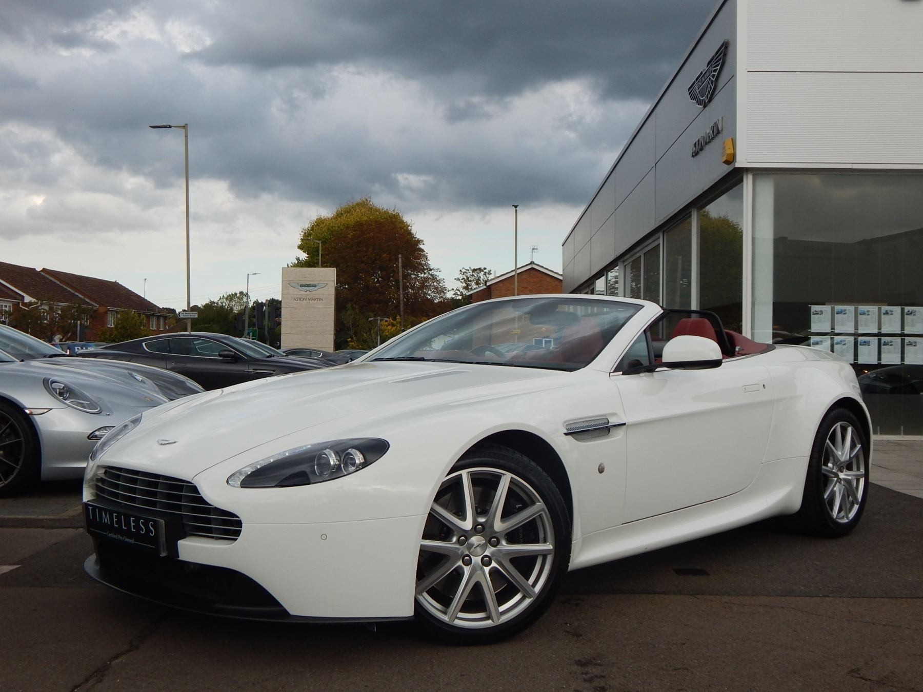 Aston Martin V8 Vantage Roadster Roadster 4.7 Sports Shift 2 door (2014) image