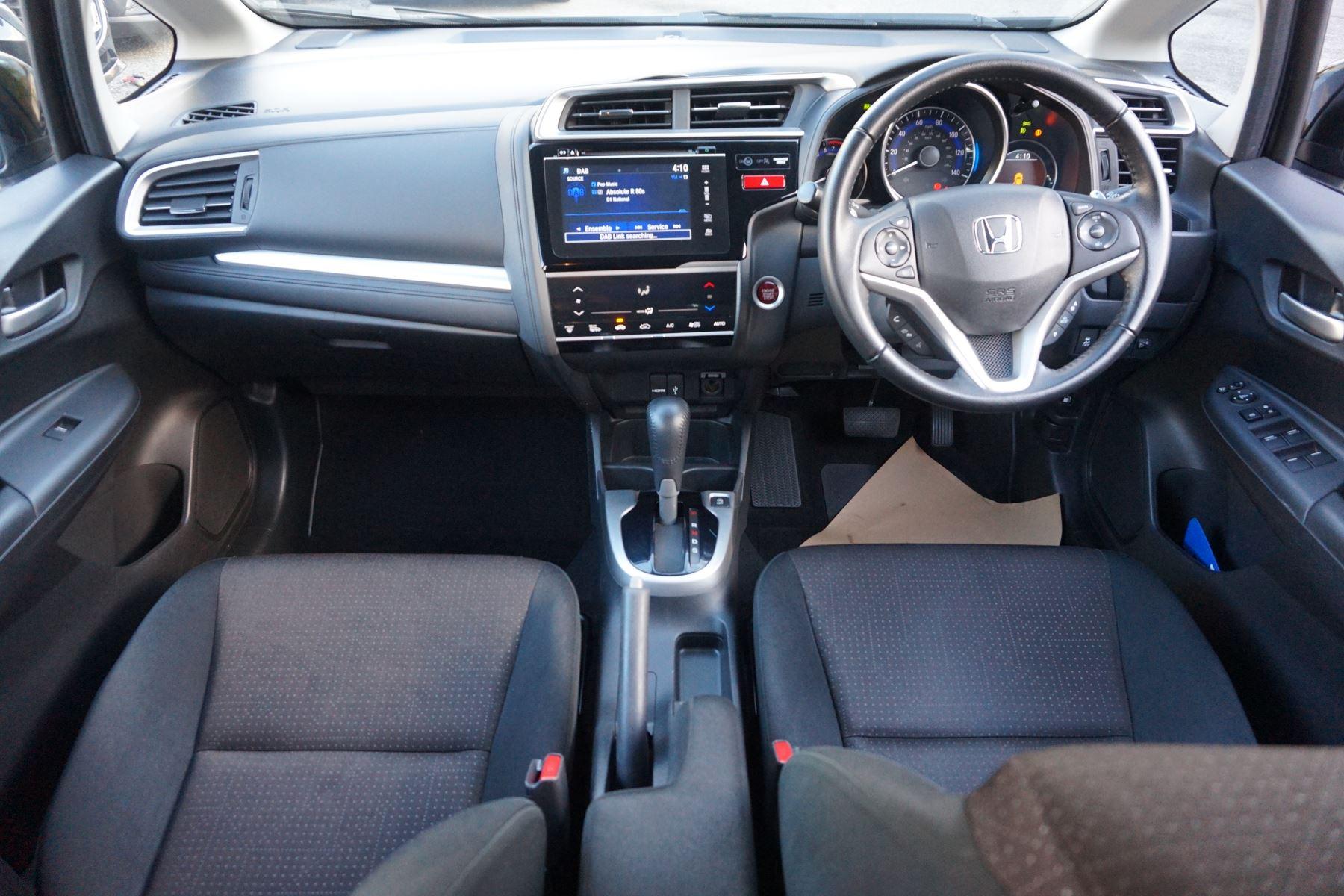 Honda Jazz 1.3 EX CVT image 19