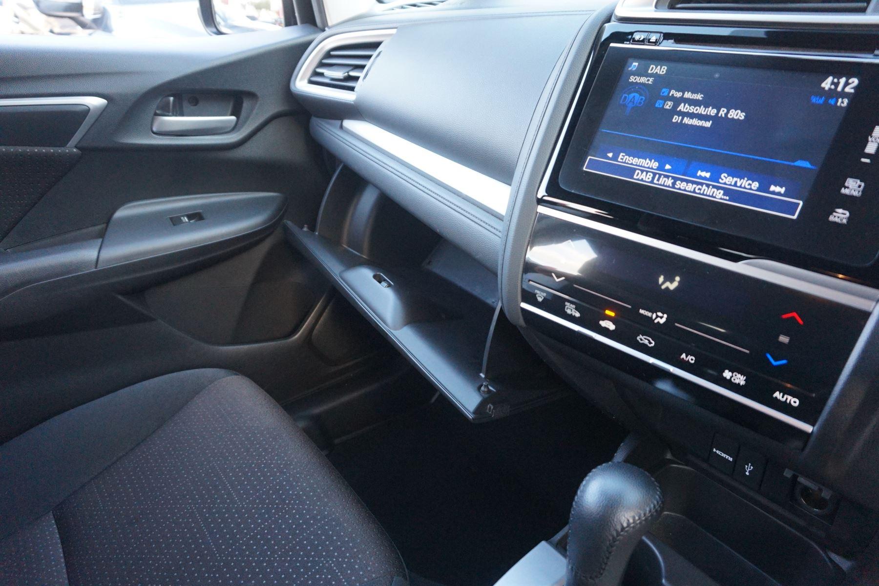 Honda Jazz 1.3 EX CVT image 18