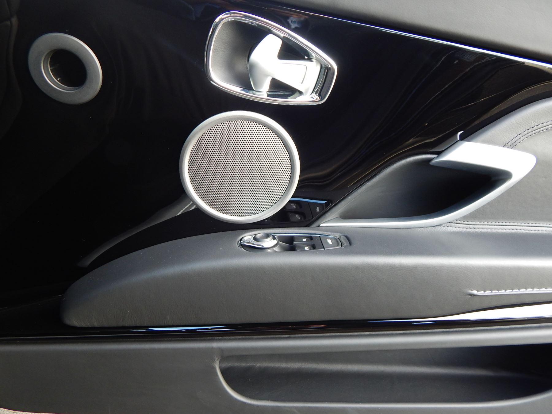 Aston Martin DB11 V12 2dr Touchtronic image 16