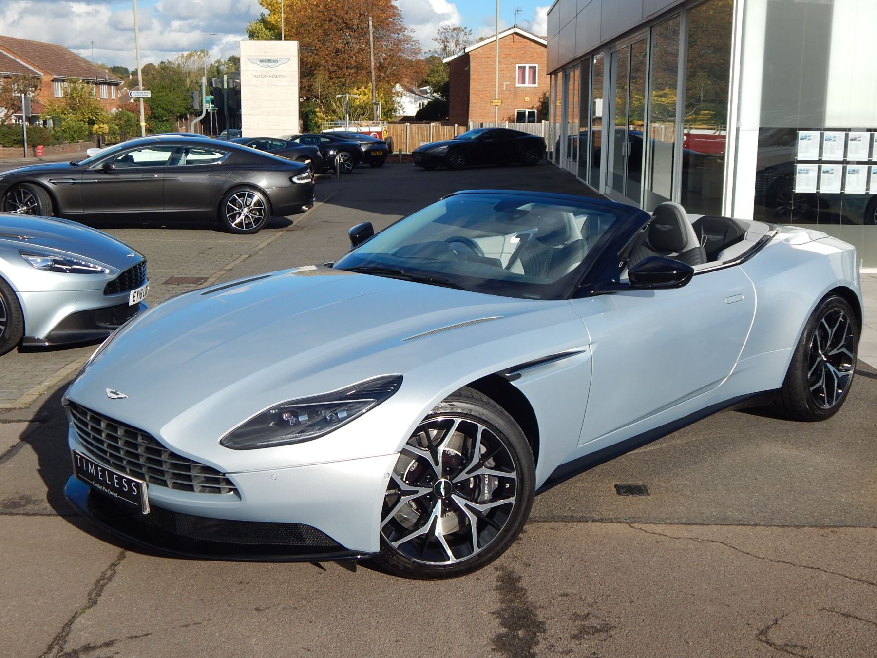 Aston Martin DB11 Volante 4.0 V8 Twin Turbo image 2