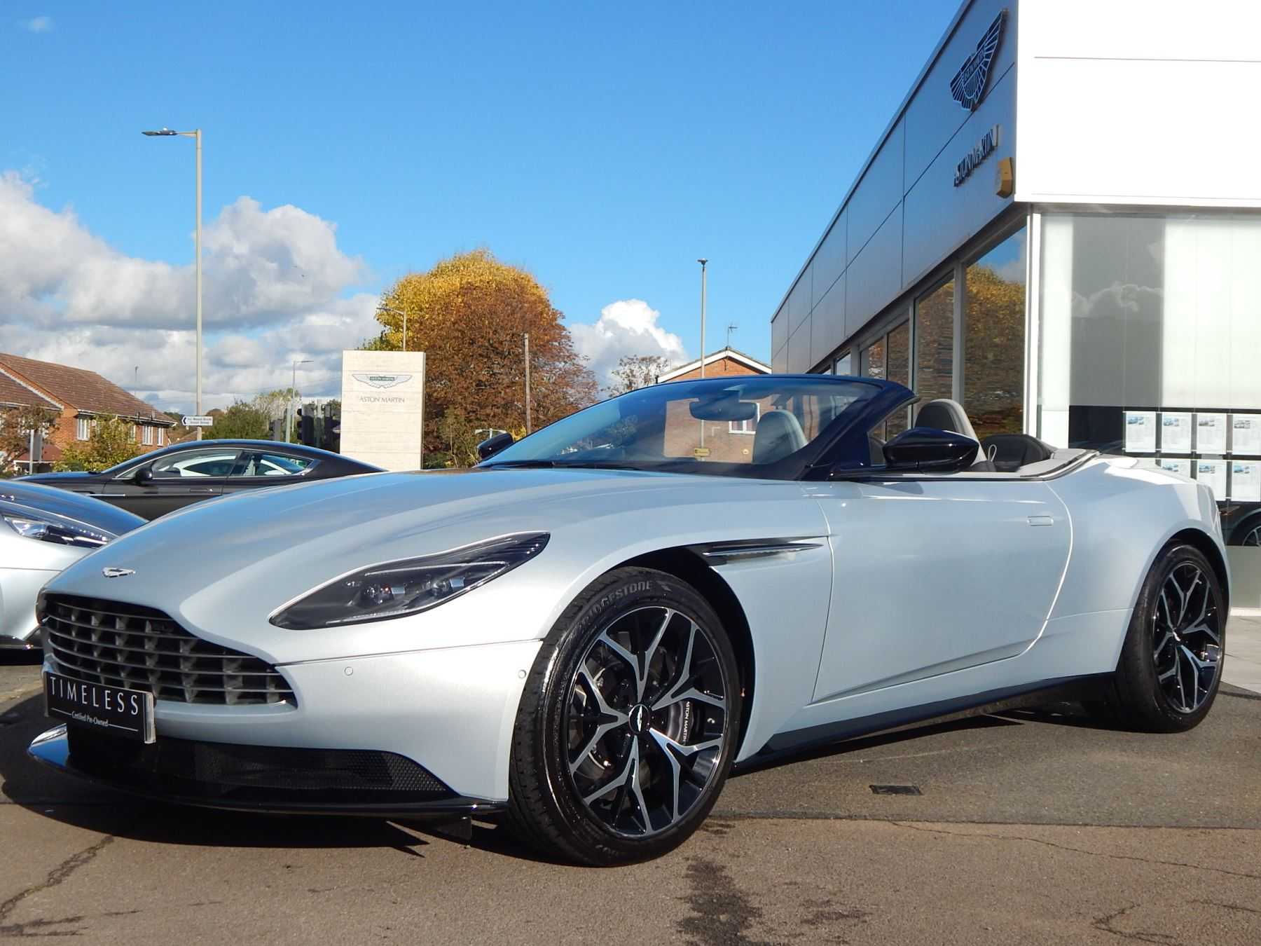 Aston Martin DB11 Volante 4.0 V8 Twin Turbo image 3