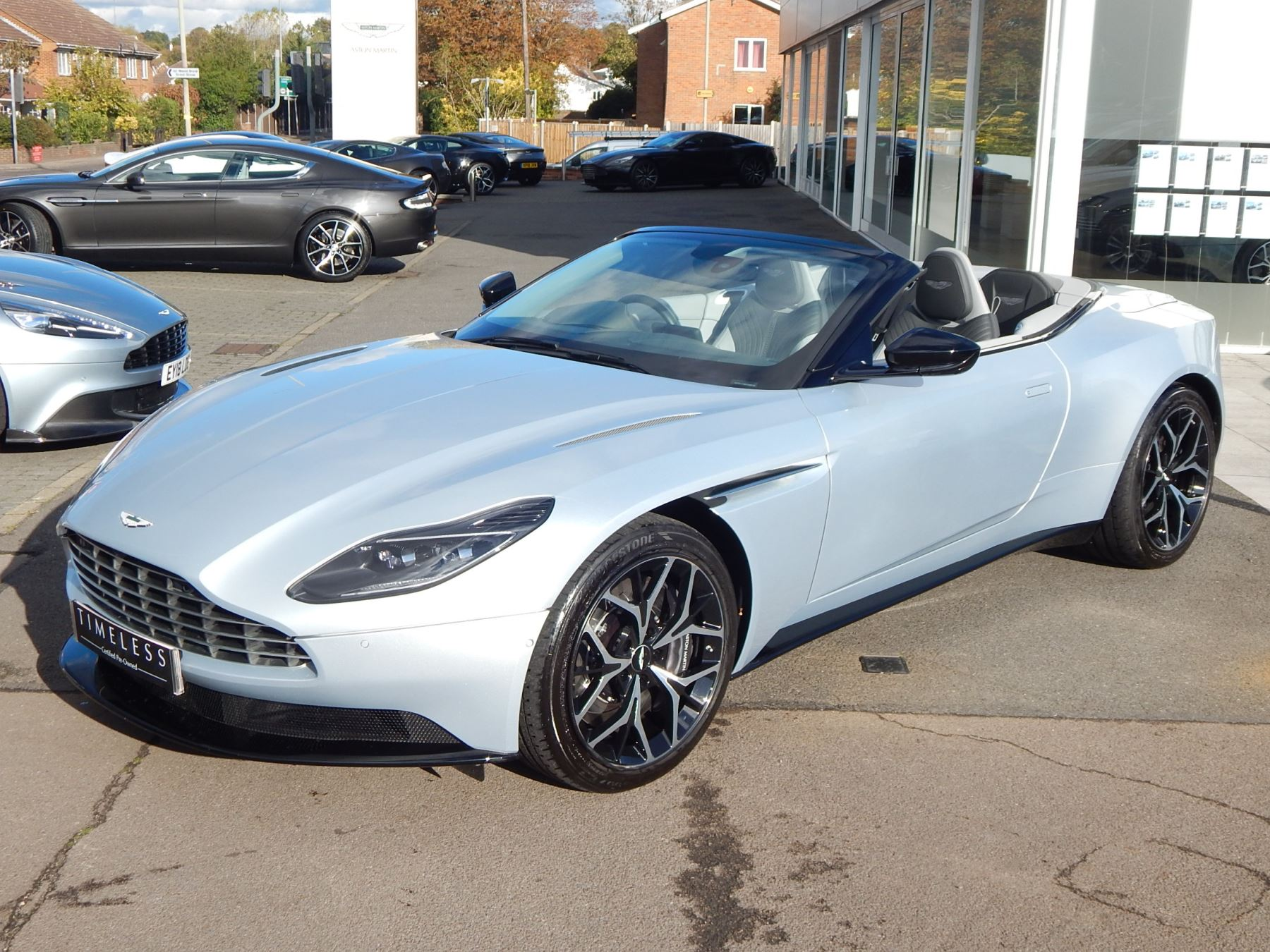 Aston Martin DB11 Volante 4.0 V8 Twin Turbo image 4