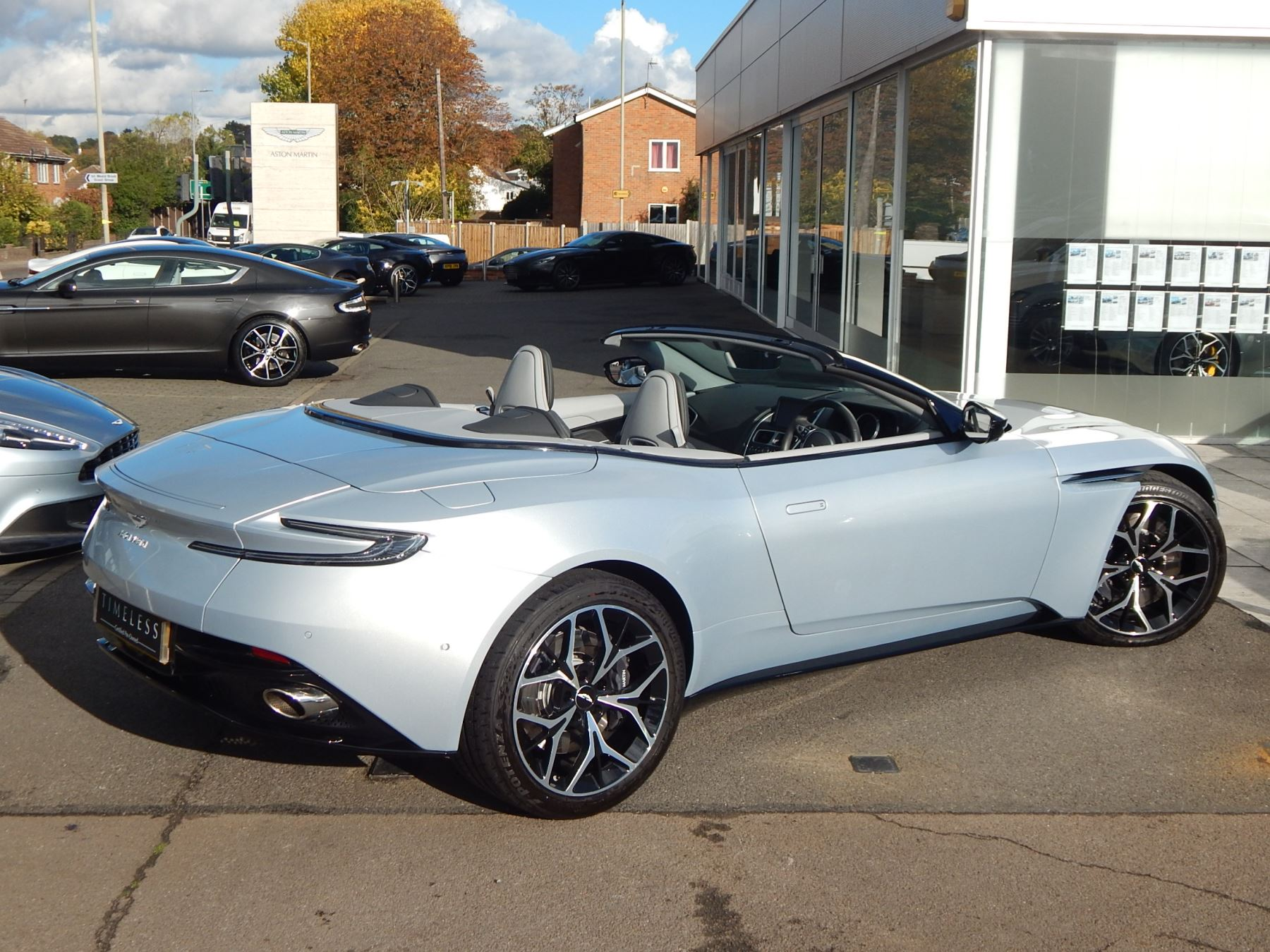 Aston Martin DB11 Volante 4.0 V8 Twin Turbo image 23