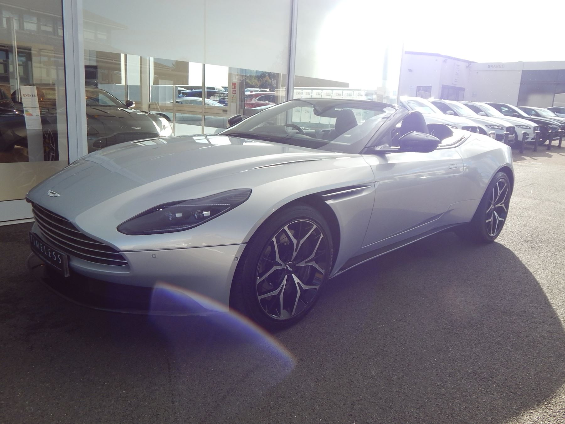 Aston Martin DB11 Volante 4.0 V8 Twin Turbo image 7