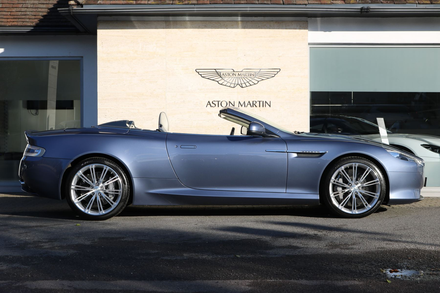 Aston Martin DB9 V12 2dr Volante Touchtronic 5.9 Automatic Convertible (2015)  at Aston Martin Welwyn
