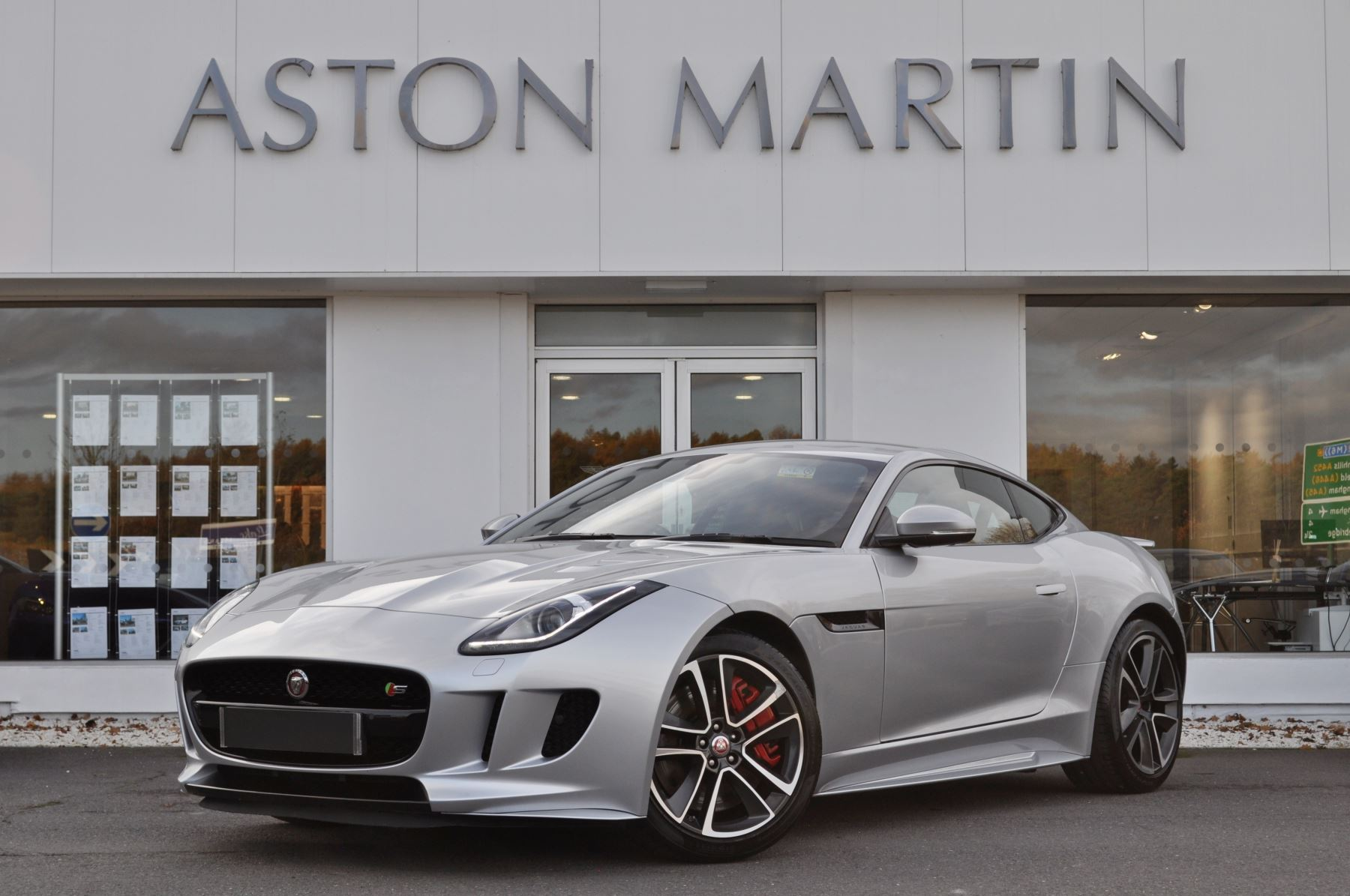 Jaguar F-TYPE 3.0 Supercharged V6 S 2dr AWD Automatic Coupe (2015) image