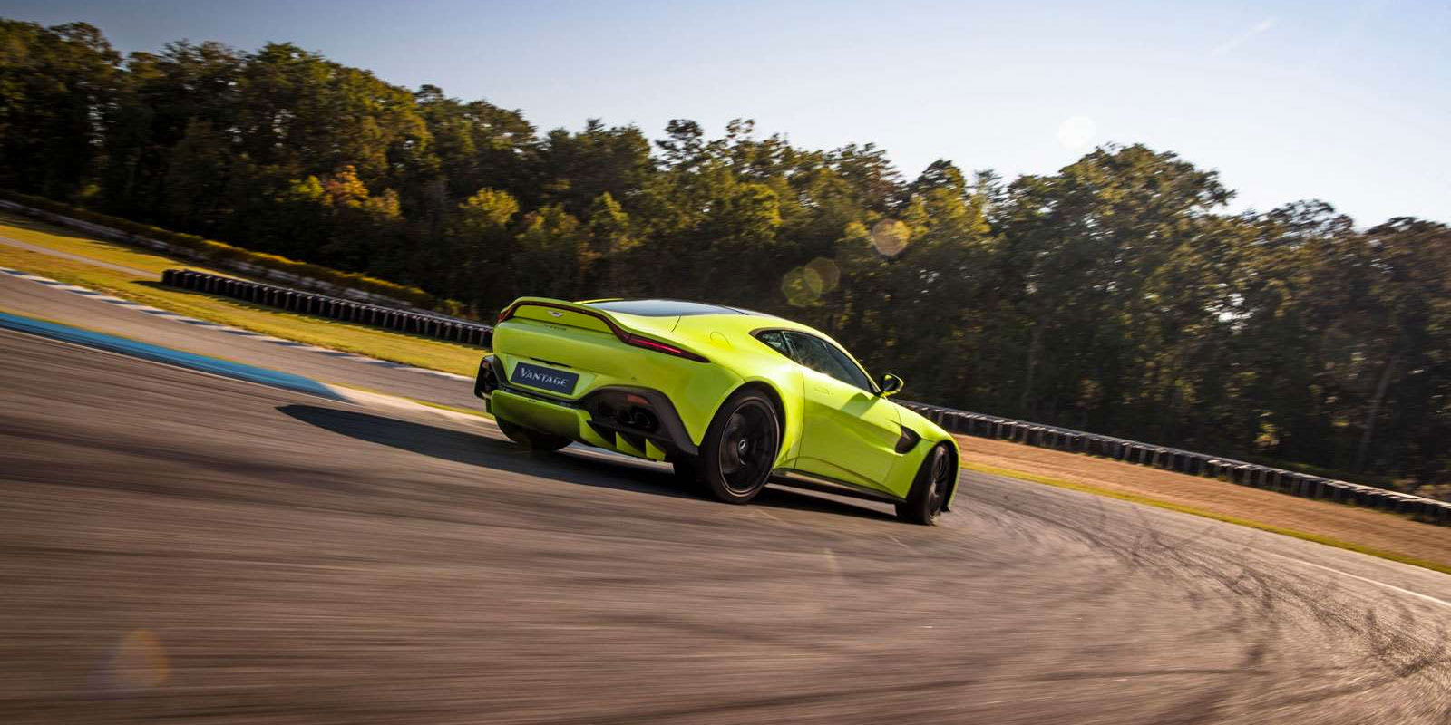 Aston Martin New Vantage - The Archetypal Hunter image 2