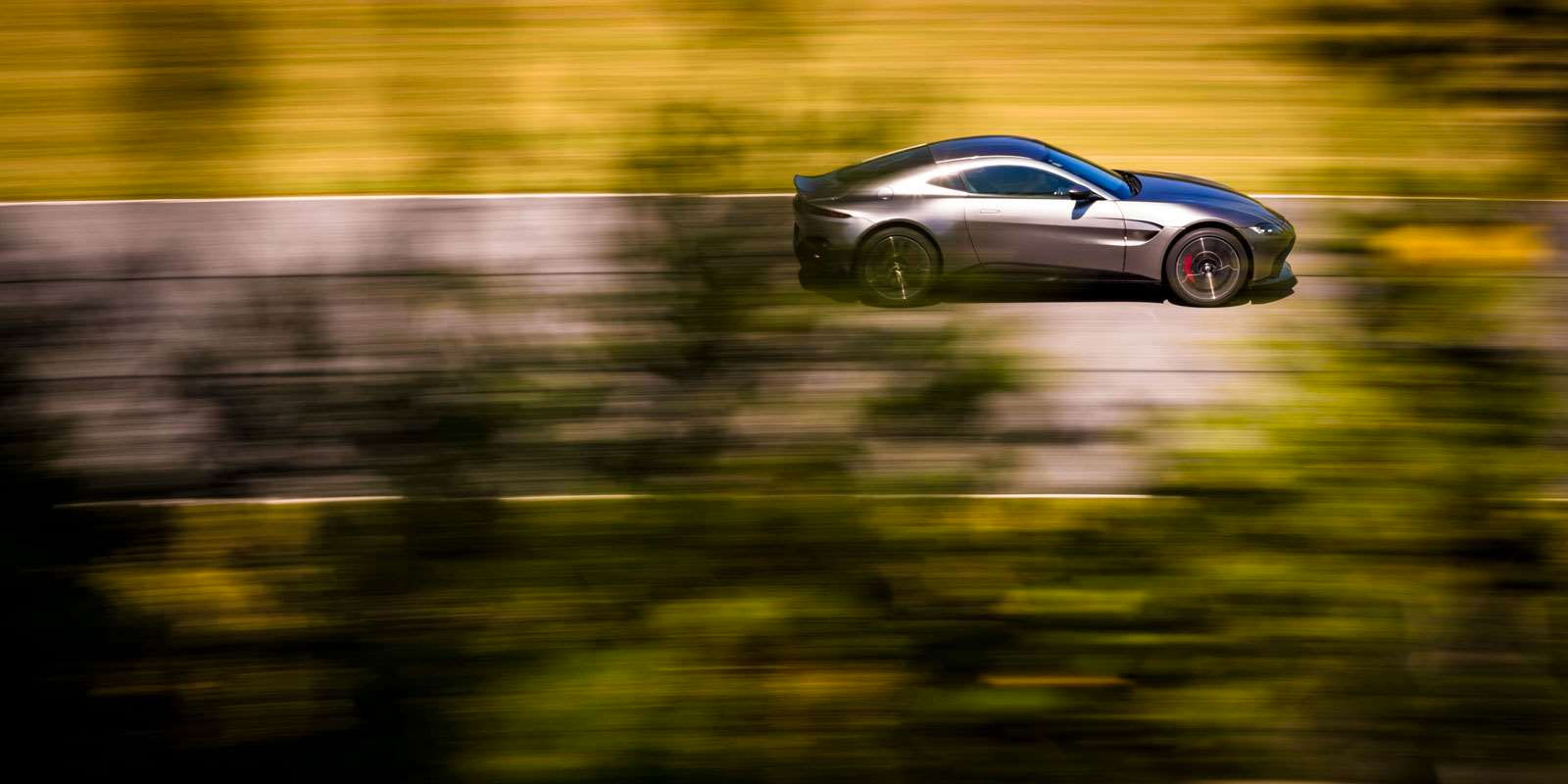 Aston Martin New Vantage - The Archetypal Hunter image 6