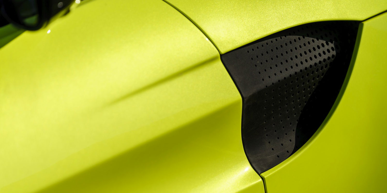 Aston Martin New Vantage - The Archetypal Hunter image 10