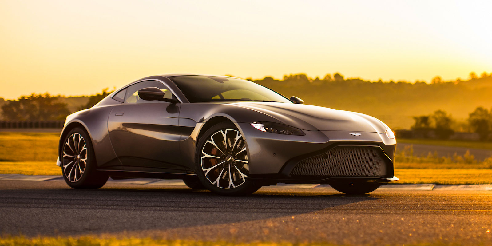 Aston Martin New Vantage - The Archetypal Hunter image 16