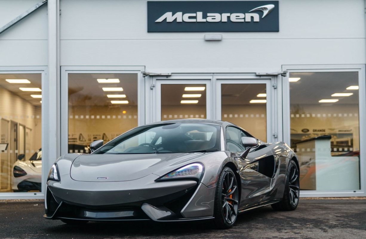 McLaren 570S Coupe V8 SSG 3.8 Automatic 2 door Coupe (15MY) image