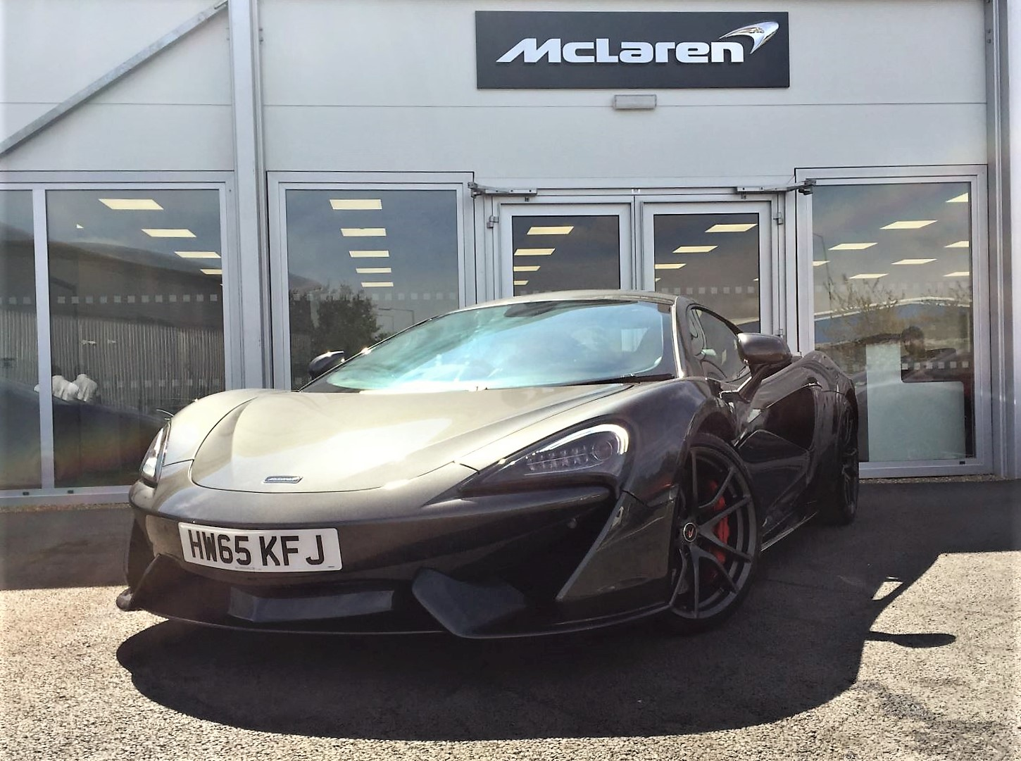 McLaren 570S Coupe 3.8SSG Automatic 2 door Coupe (2016) image