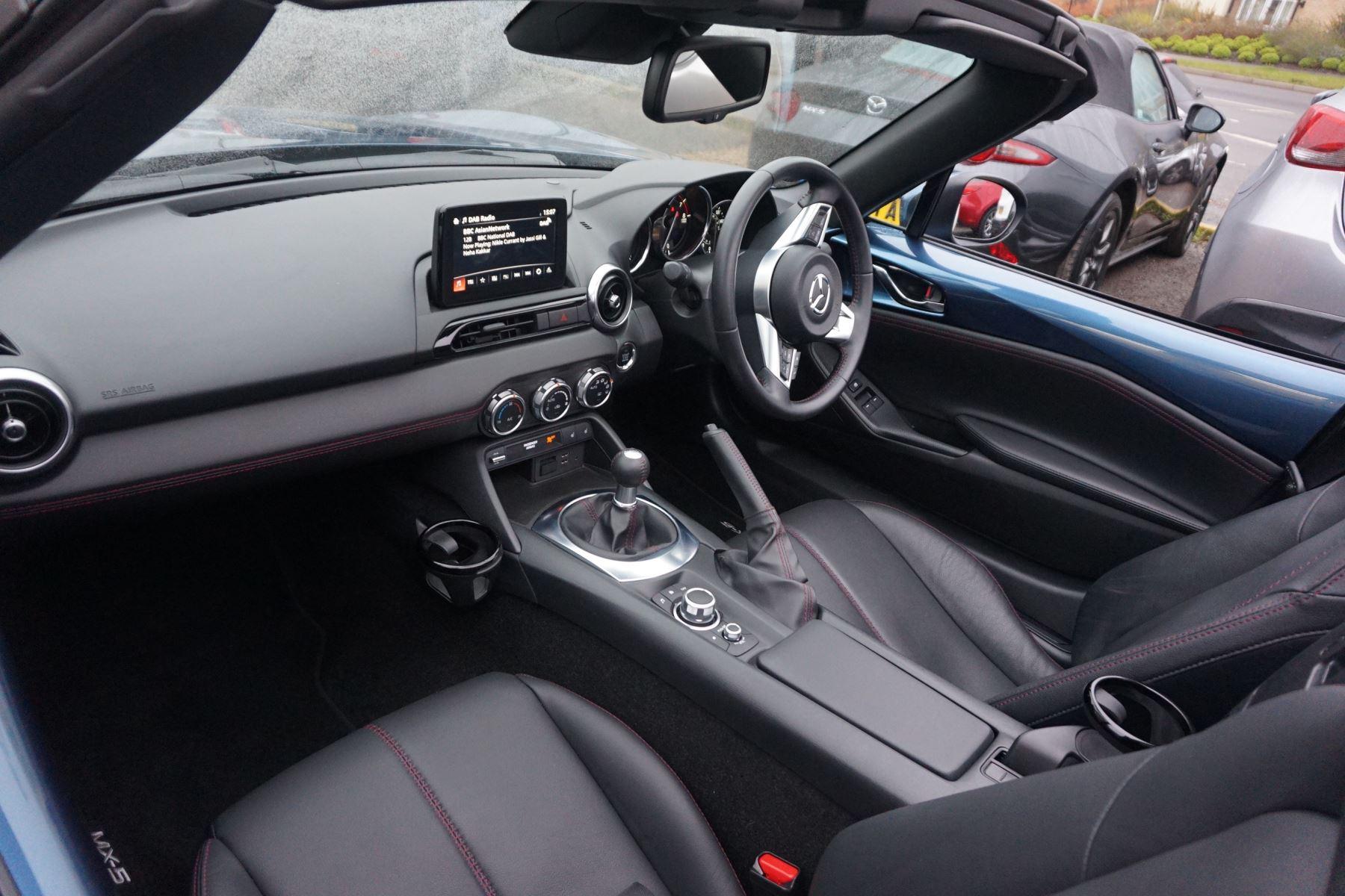 Mazda MX-5 2.0 Sport Nav 2dr image 4