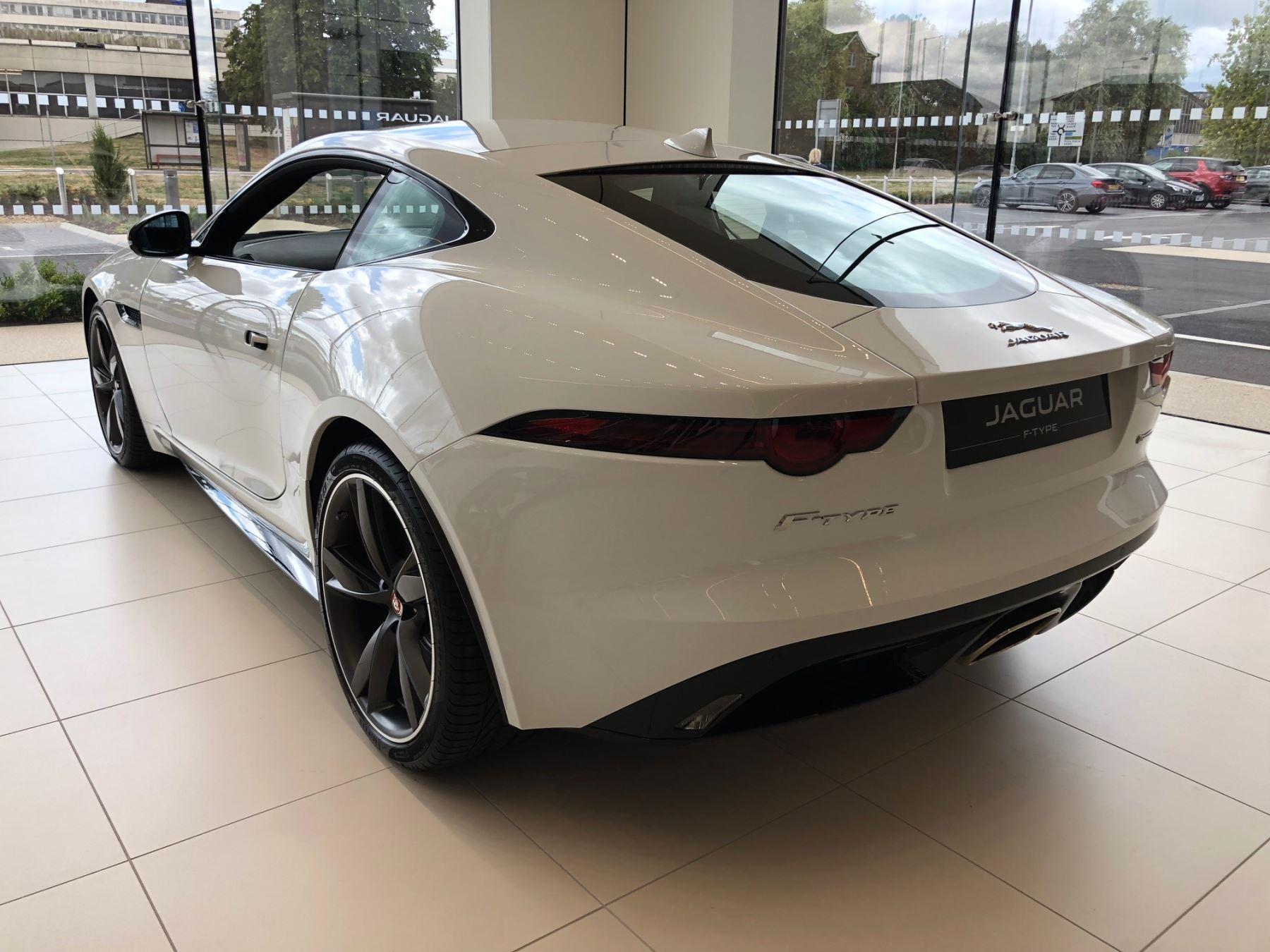 Jaguar F-TYPE 3.0 Supercharged V6 R-Dynamic image 7