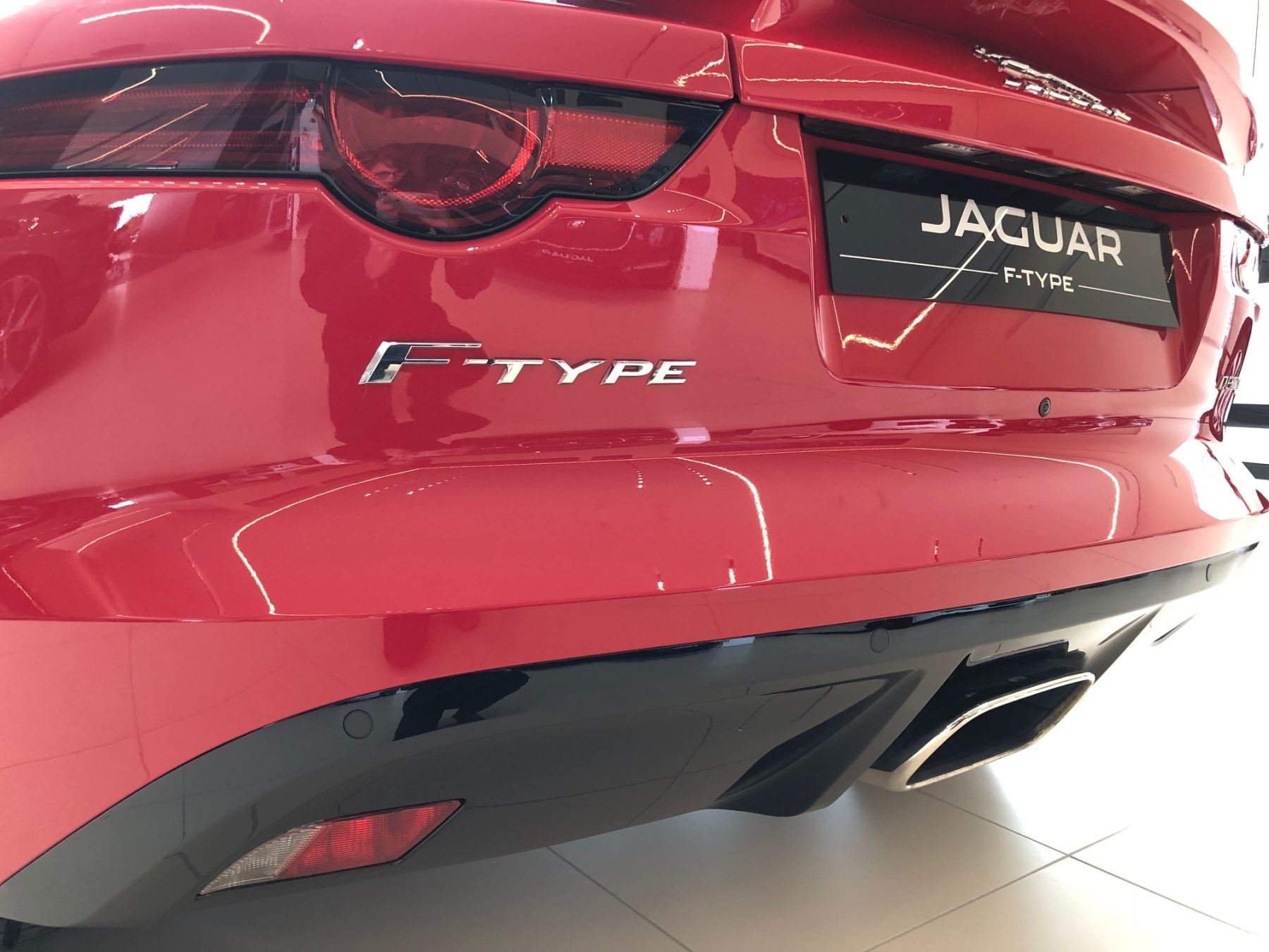 Jaguar F-TYPE 2.0 T/C Petrol RWD Coupe 300PS image 8