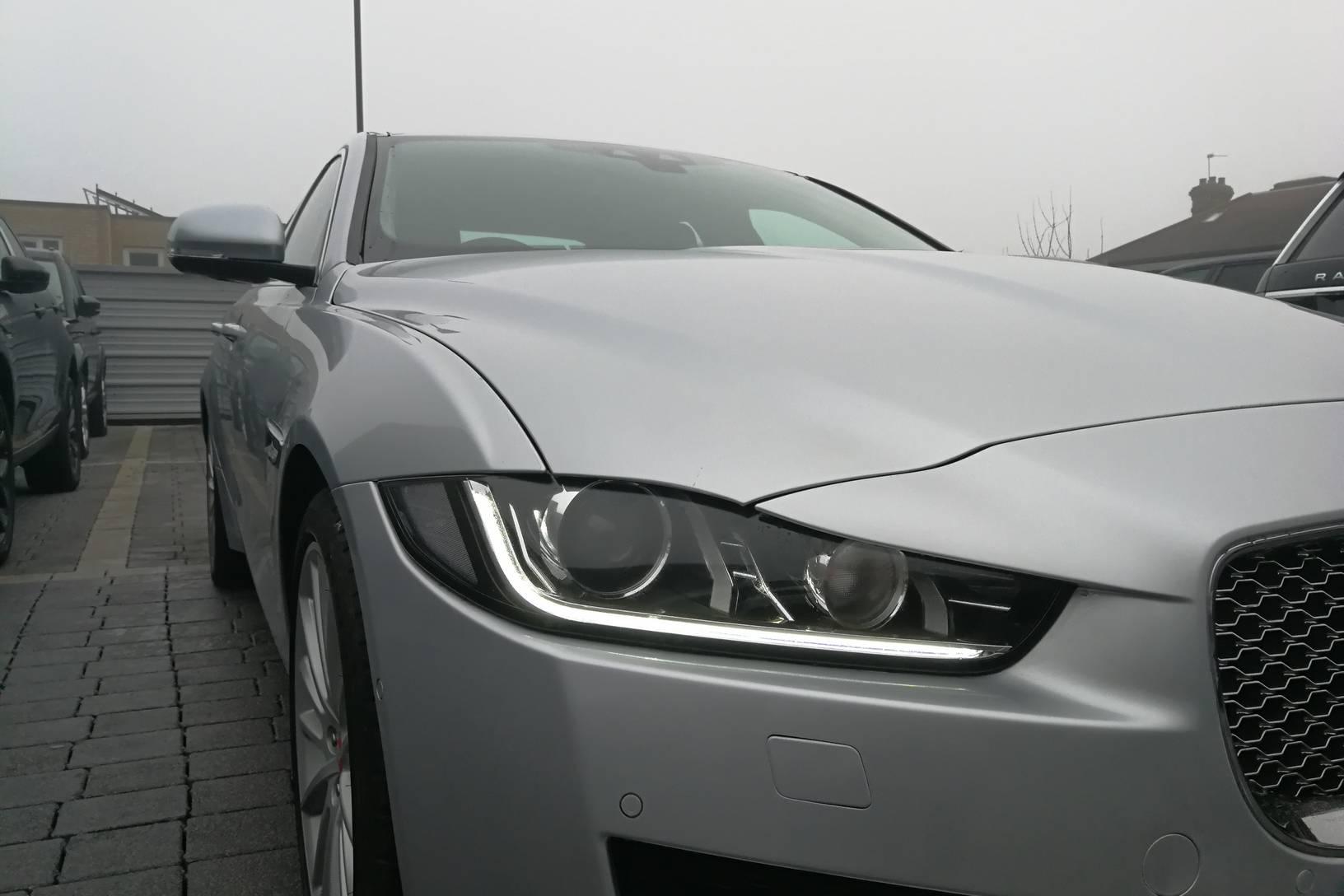 Jaguar XE 2.0d [180] Portfolio image 19