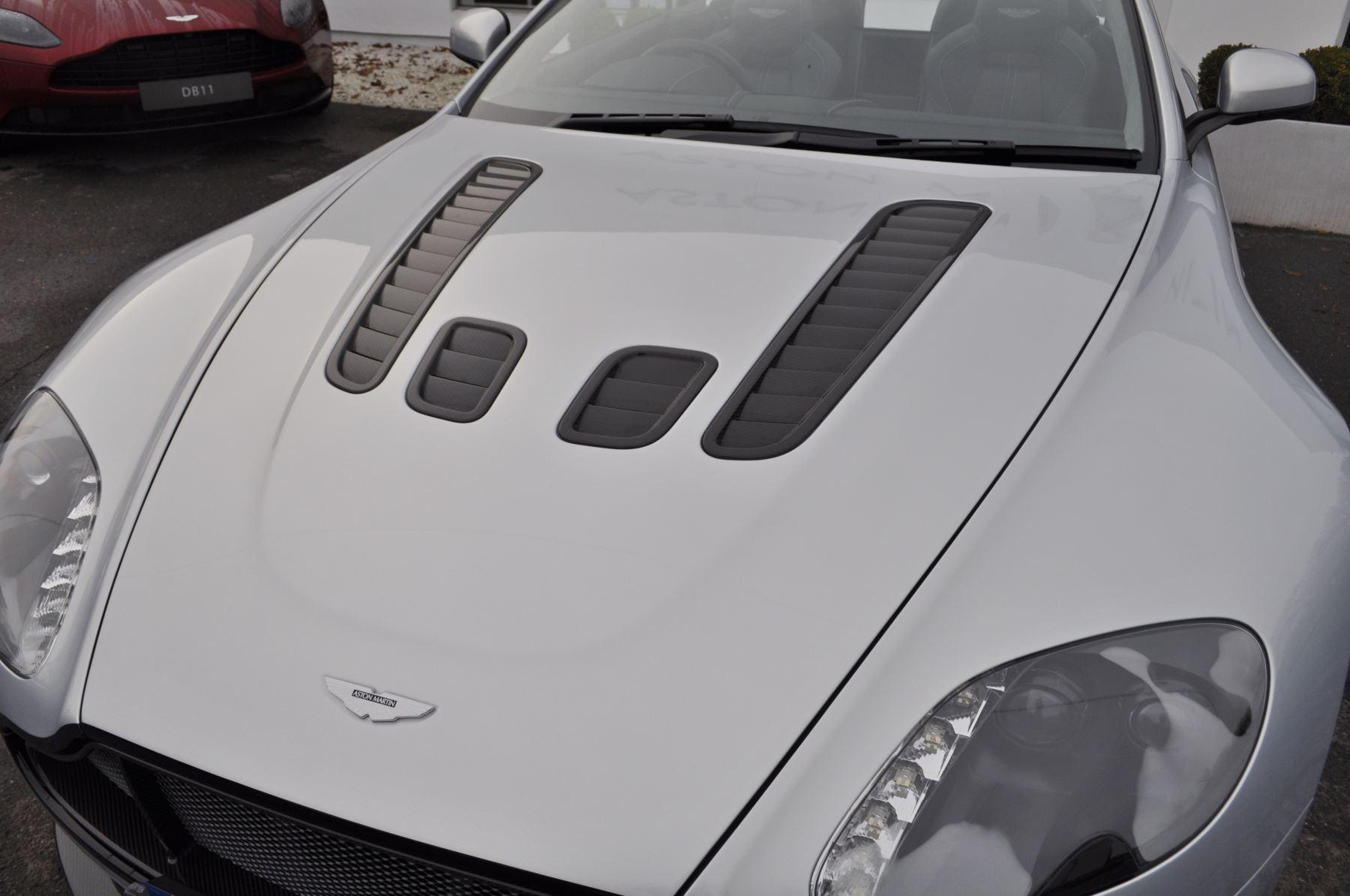 Aston Martin V12 Vantage S S 2dr Sportshift III image 7
