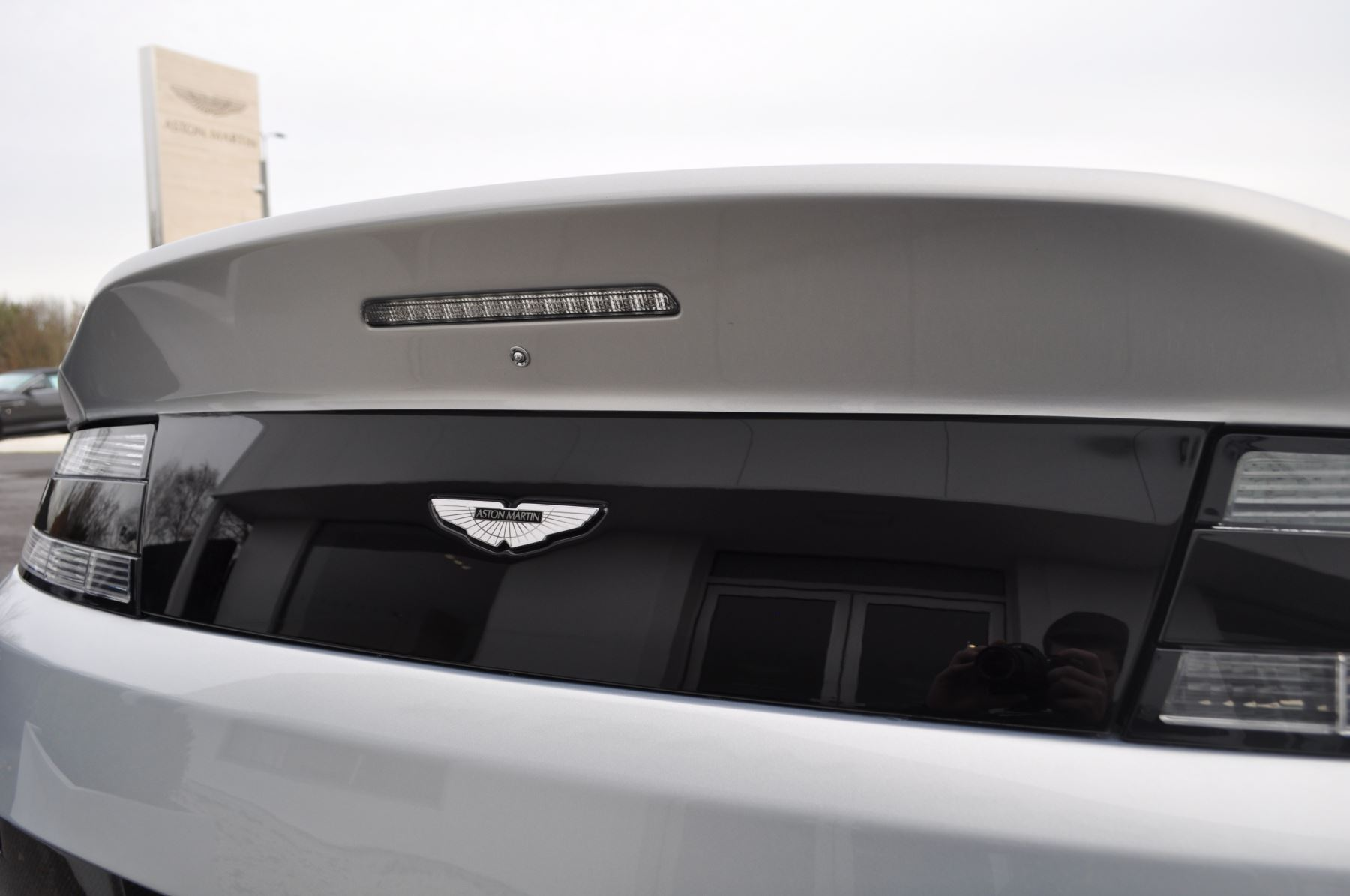Aston Martin V12 Vantage S S 2dr Sportshift III image 14