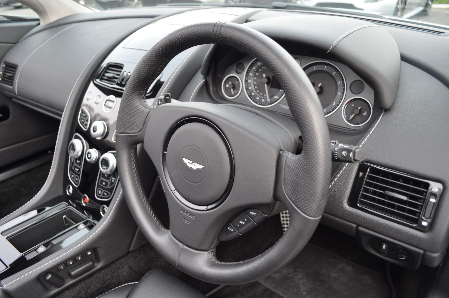 Aston Martin V12 Vantage S S 2dr Sportshift III image 19
