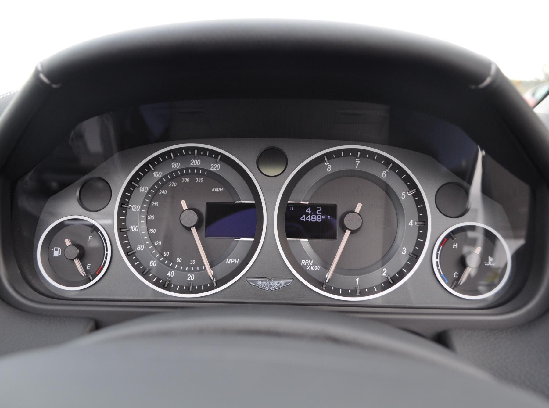 Aston Martin V12 Vantage S S 2dr Sportshift III image 20