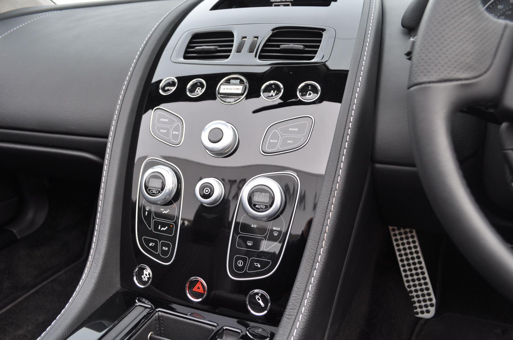 Aston Martin V12 Vantage S S 2dr Sportshift III image 26